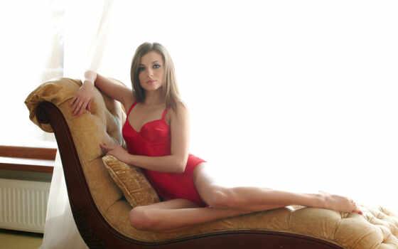 девушка, красное белье, ножки