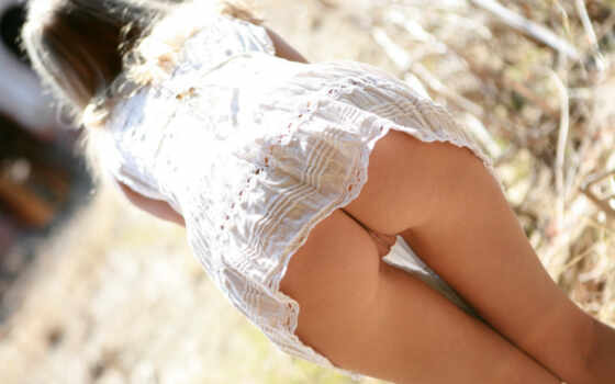 , девушки, эротическое, ниже, клубничка, пояса, трусов, bottomless, раздетые, снизу,