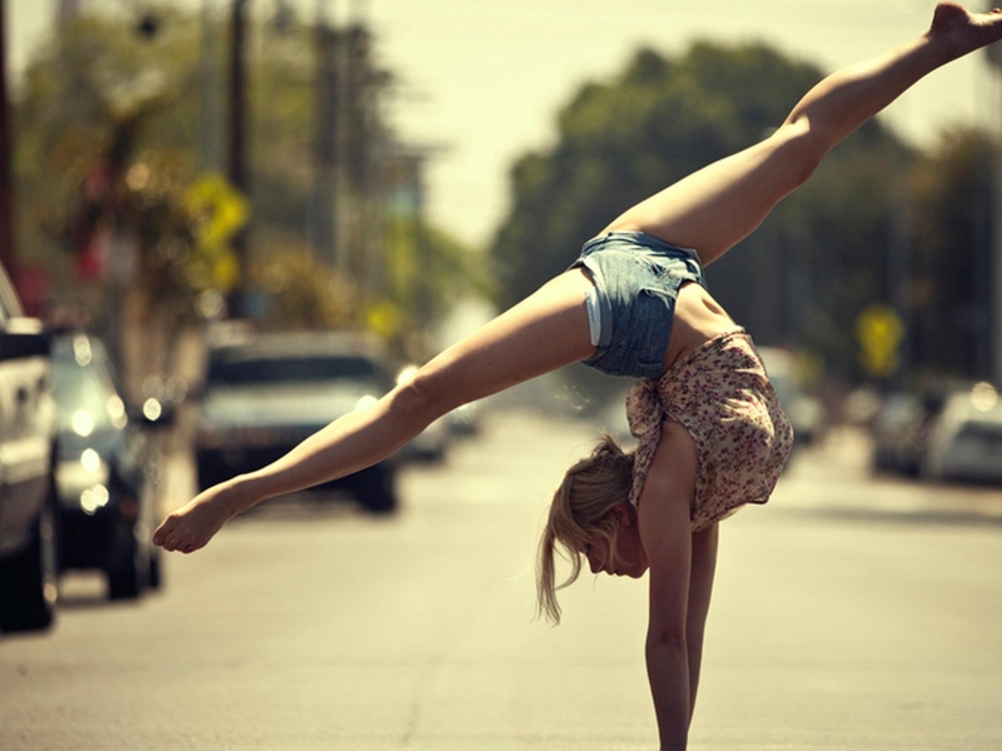 Фото русый девушки со спины 11 фотография