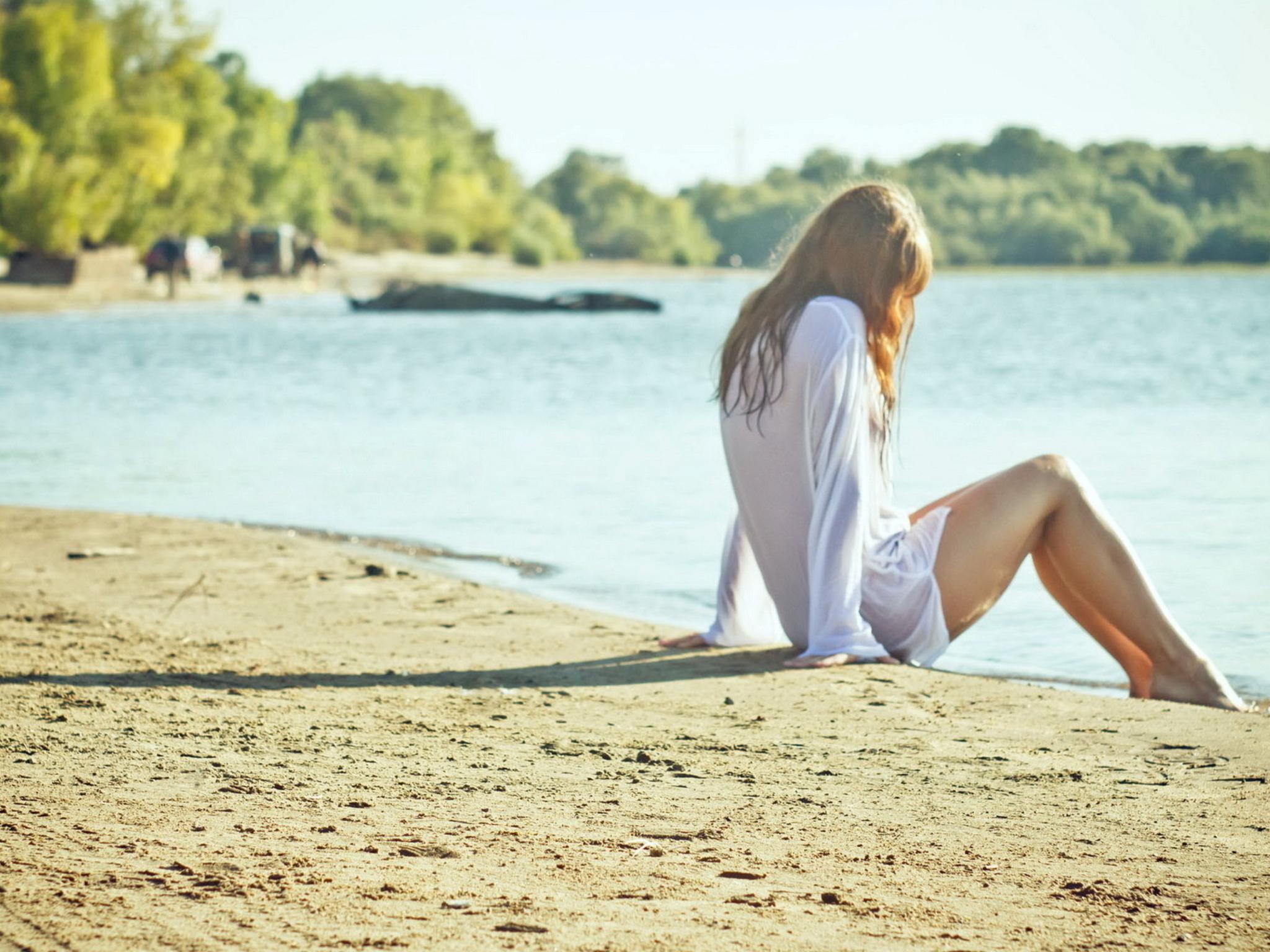Фото ног девочек на пляже 21 фотография