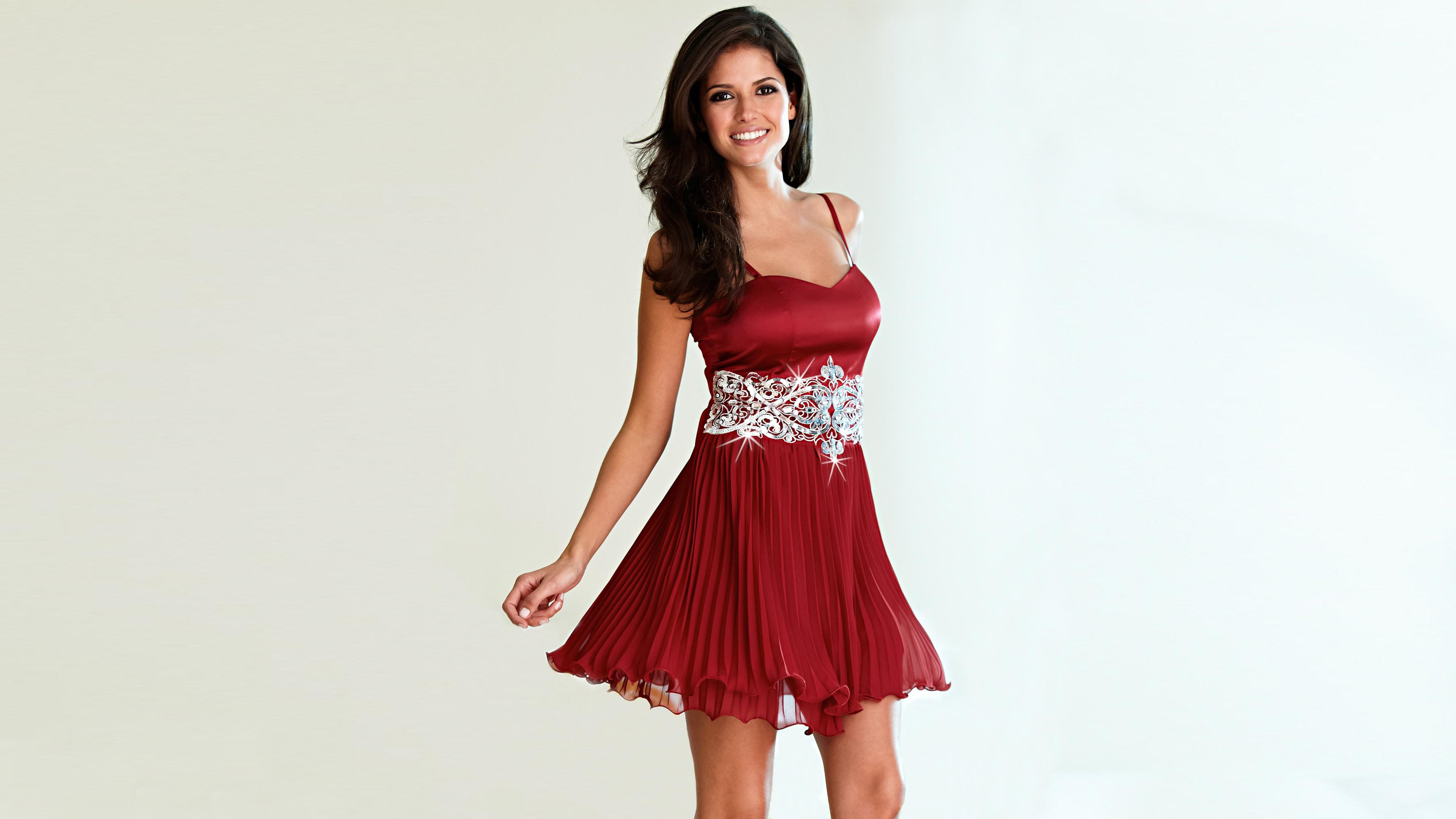девушка брюнетка красное платье  № 366455 бесплатно