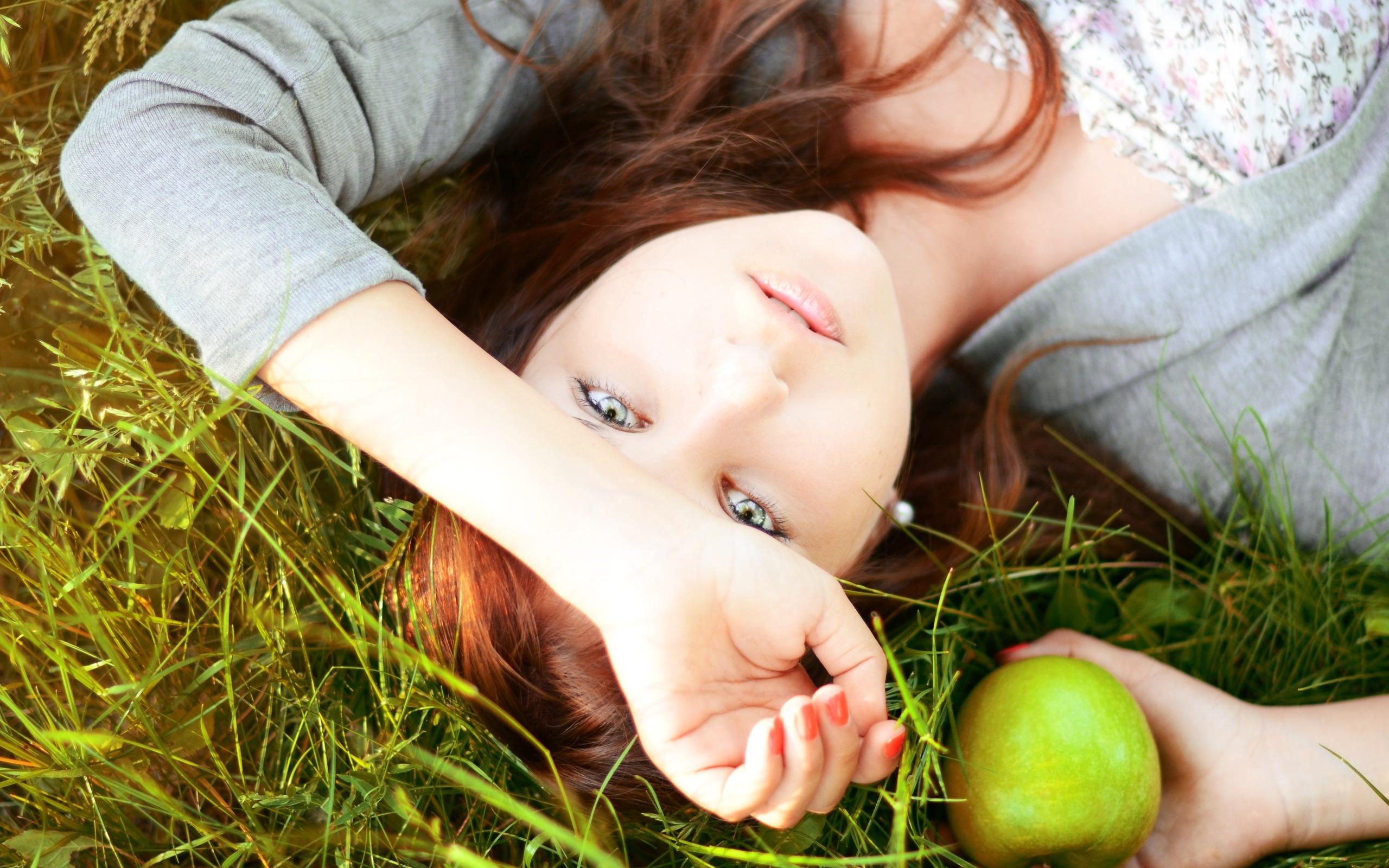 девушка волосы трава girl hair grass бесплатно