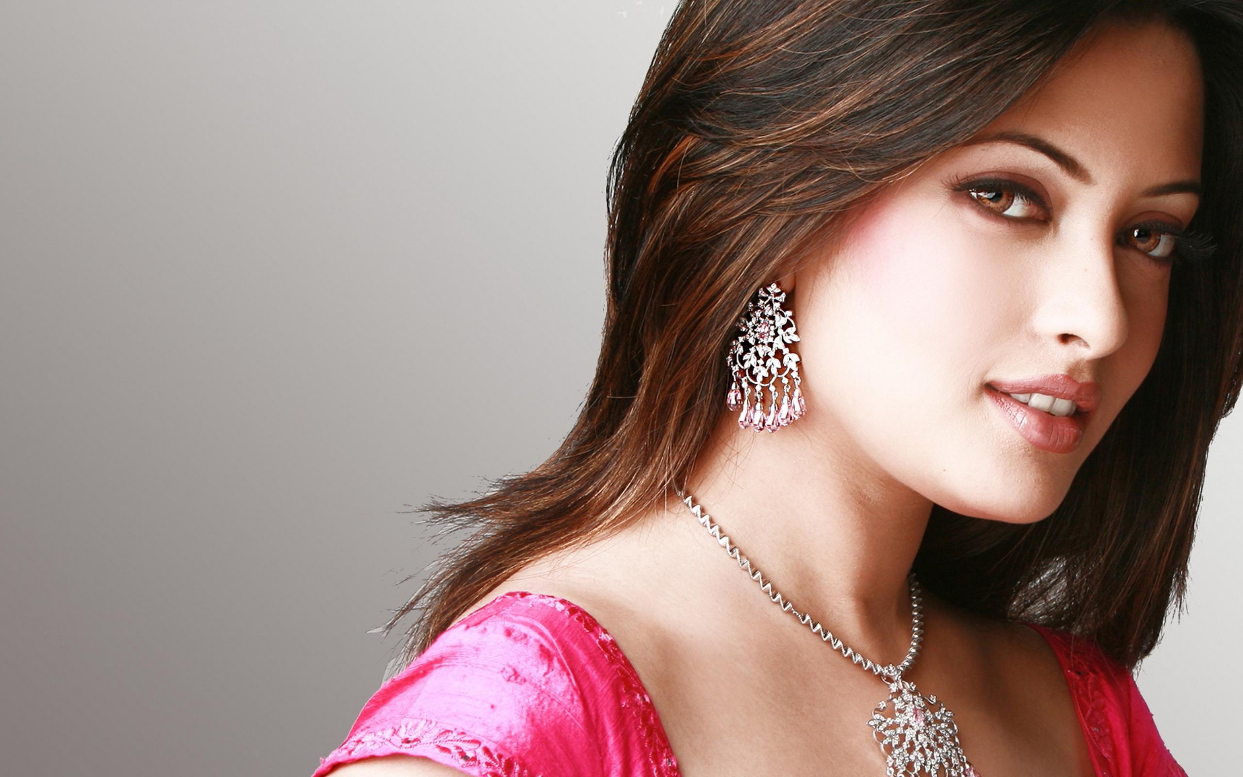 Картинки индийских актеров и актрис, марта