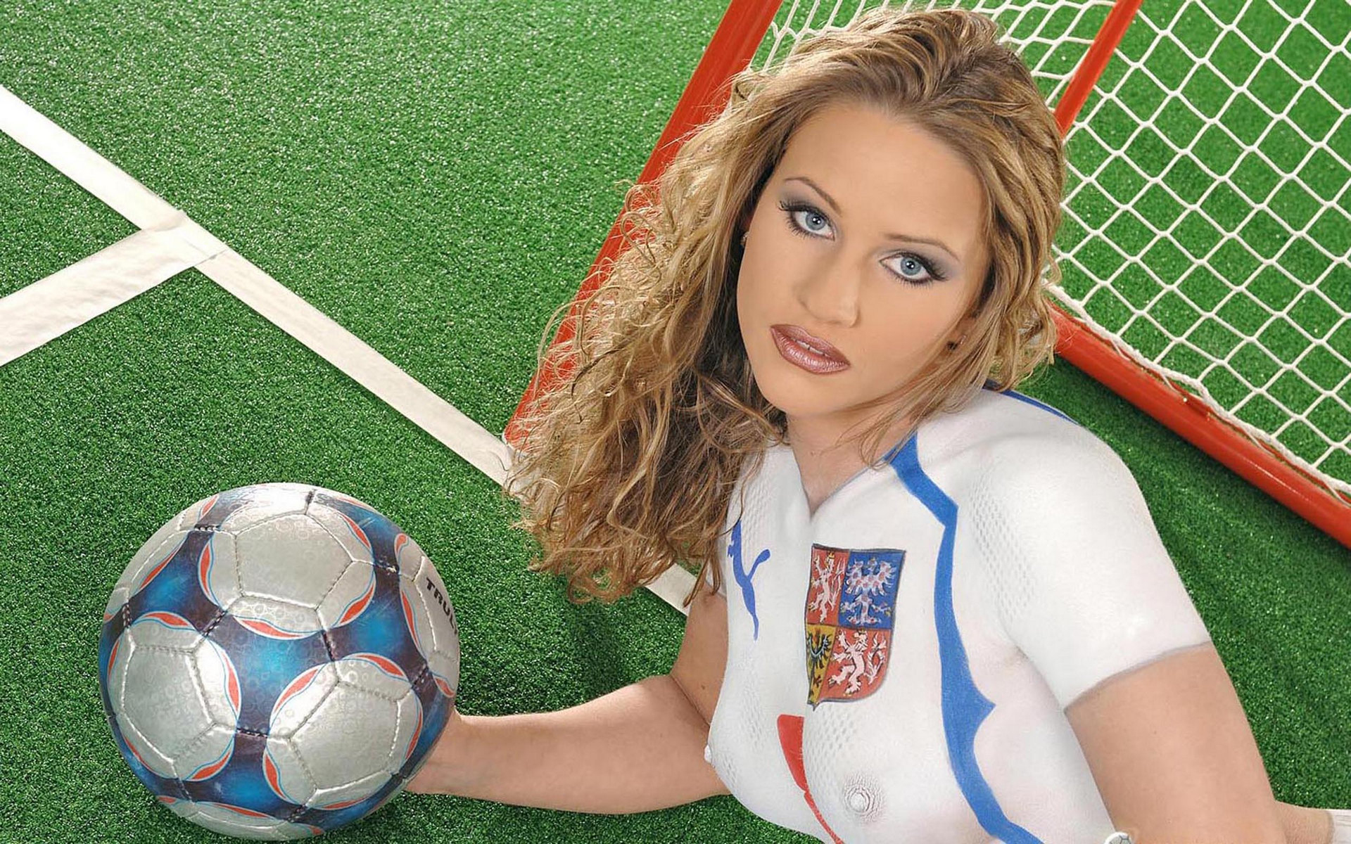 женский Футбол украина скачать