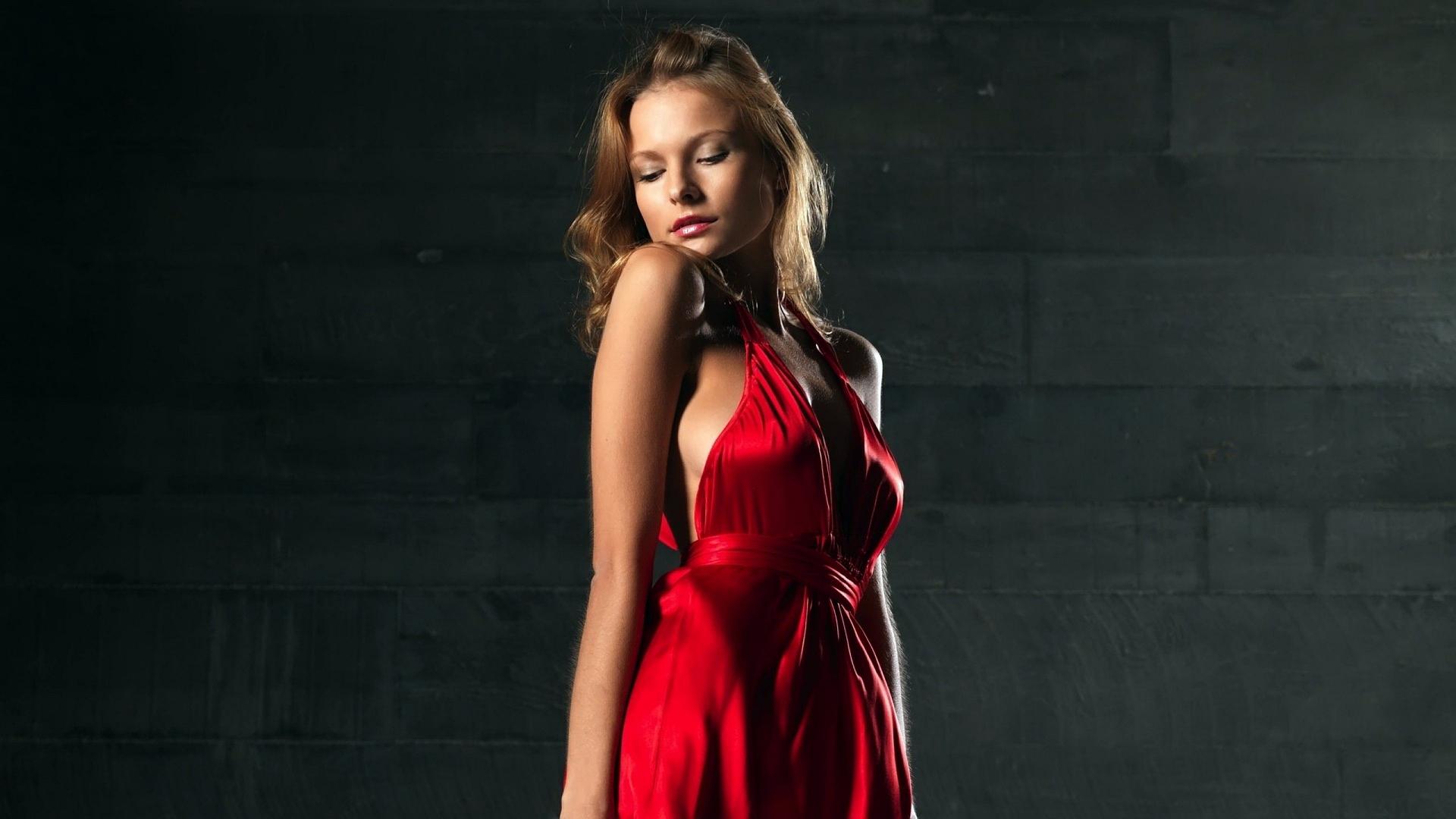 фото высокого разрешения девушек в платьях студия парень снимал