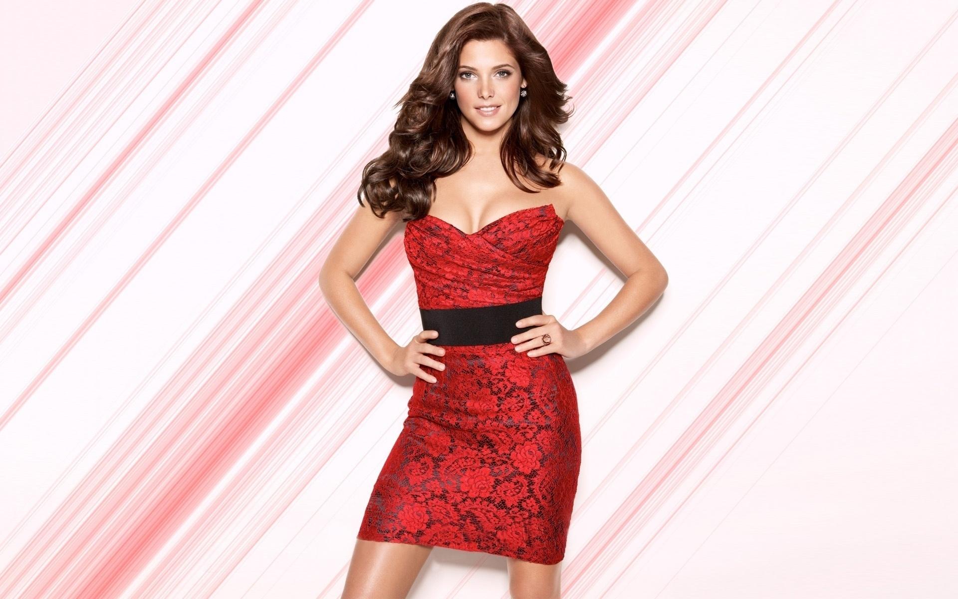 девушка брюнетка красное платье  № 366535 бесплатно