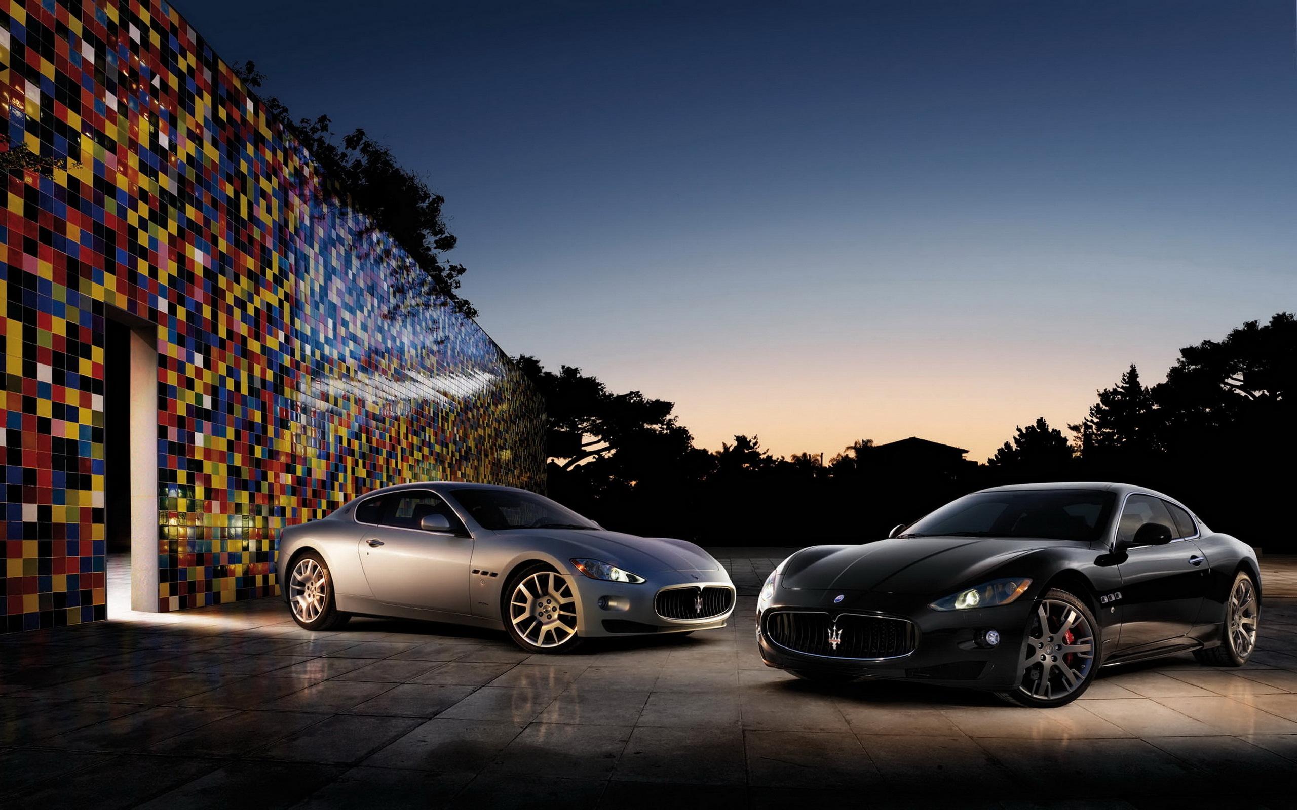 Maserati на трассе без смс