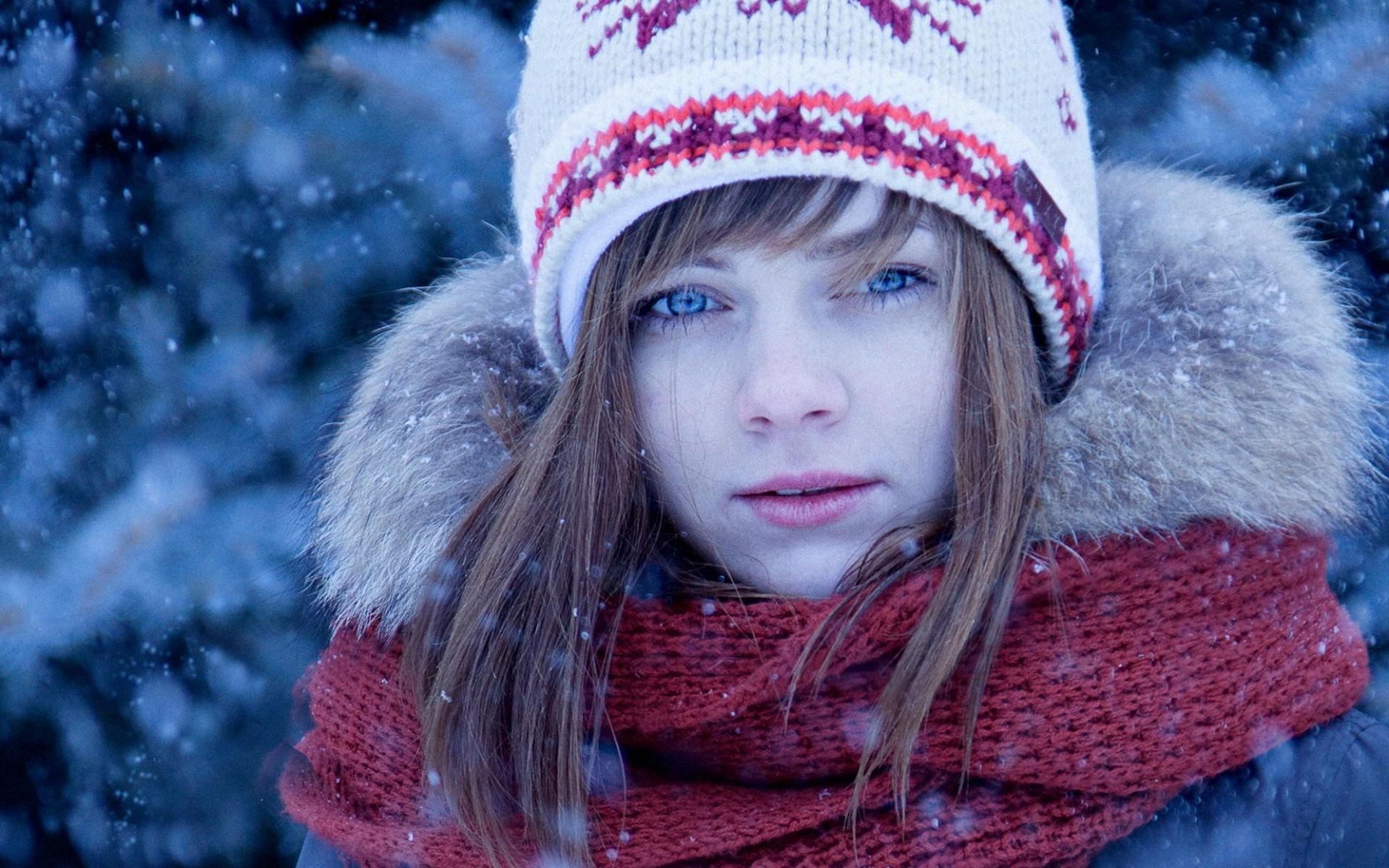Девочка в вязаной шапочке  № 1822029 без смс