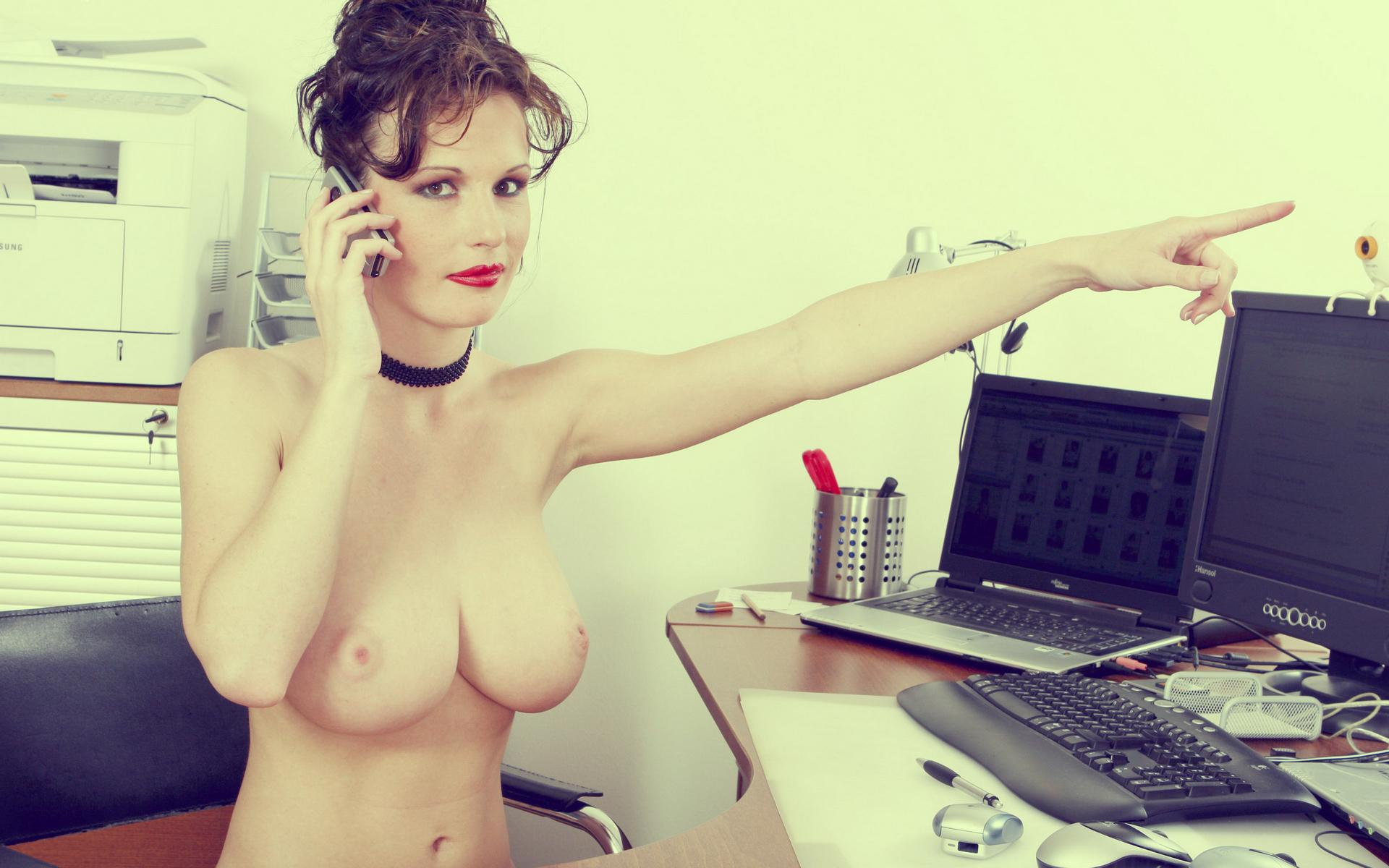 Смотреть онлайн голые в офисе, Порно Секс в офисе -видео. Смотреть порно онлайн! 25 фотография