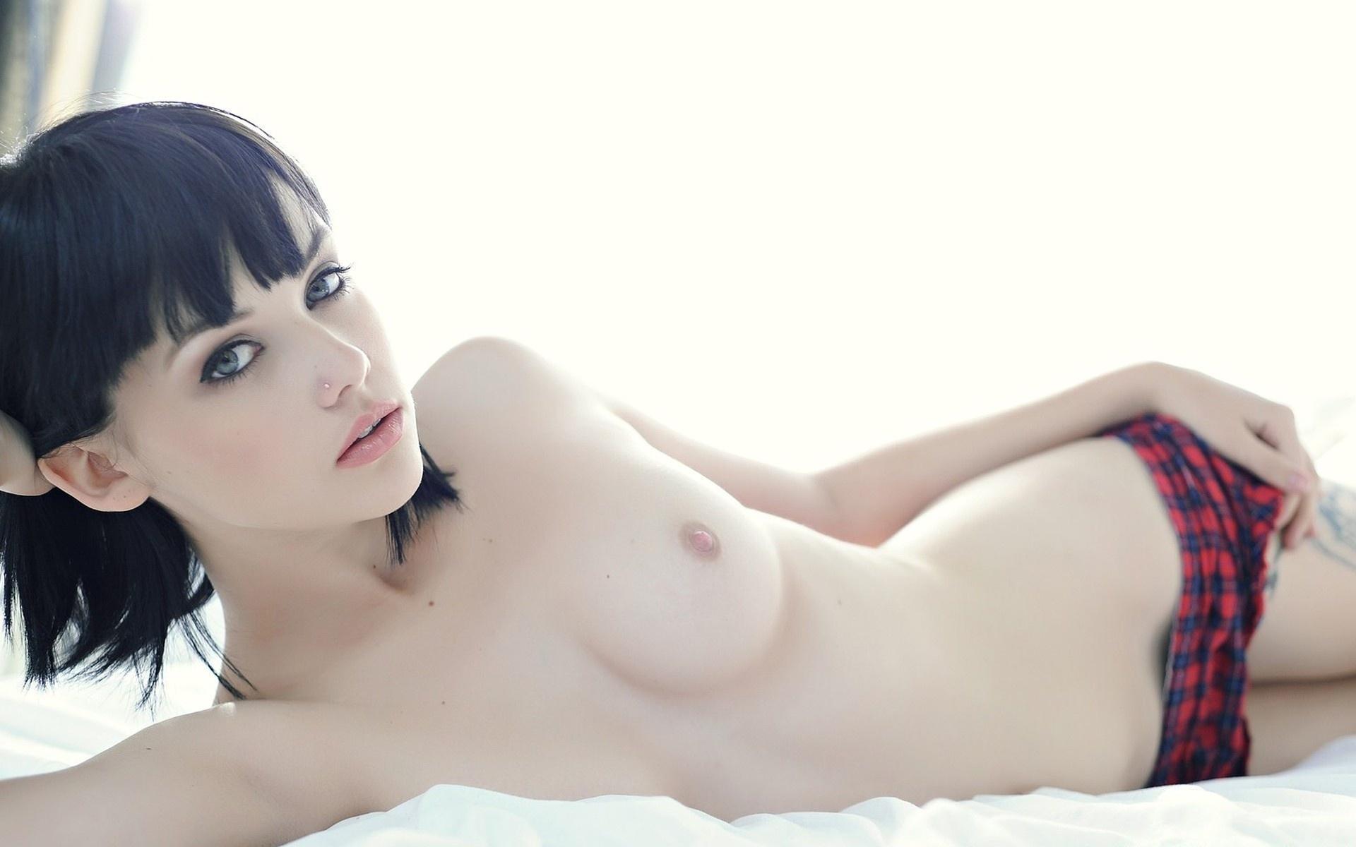 pale-girl-black-hair-blowjob
