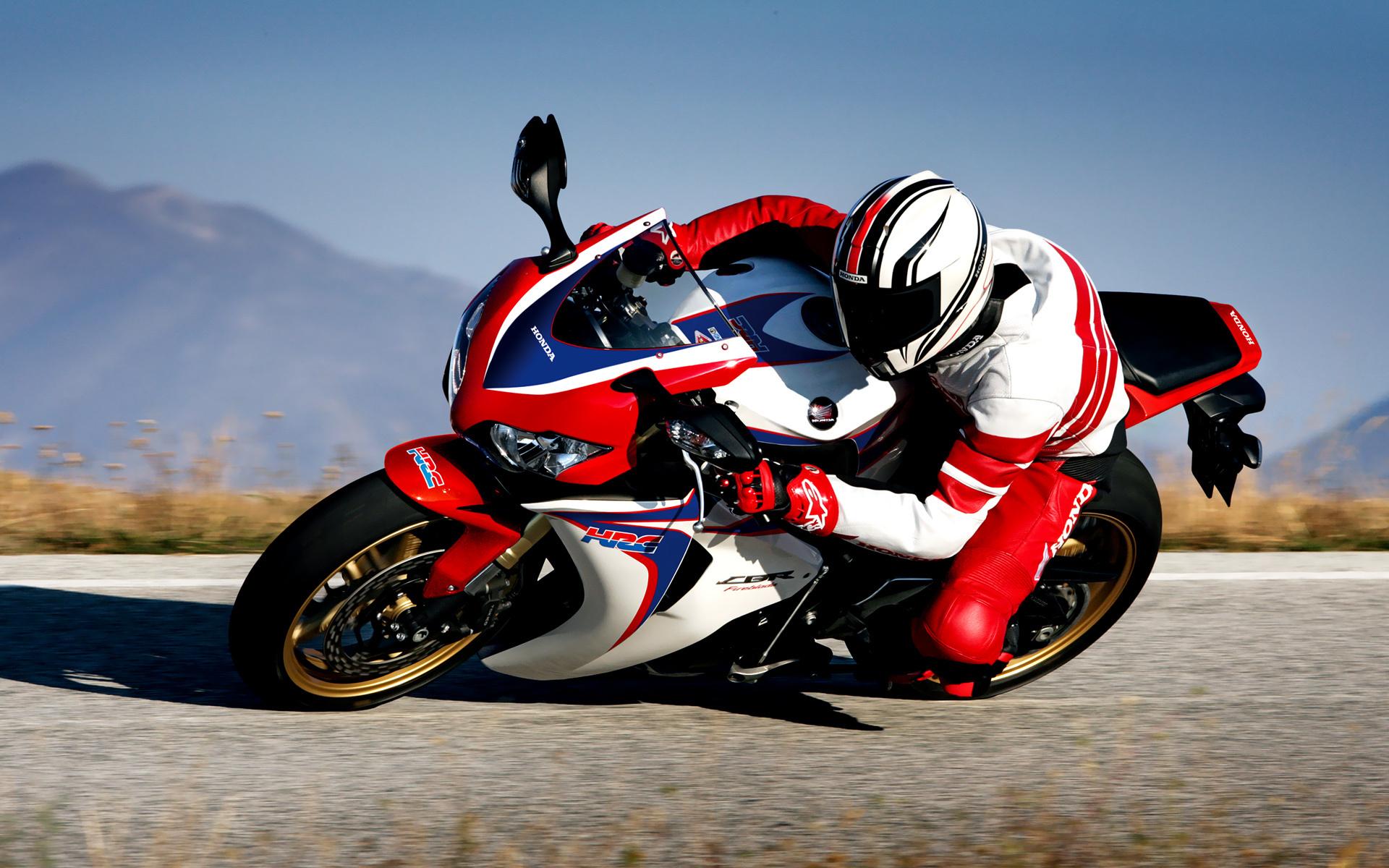 вираж мотоциклист без смс