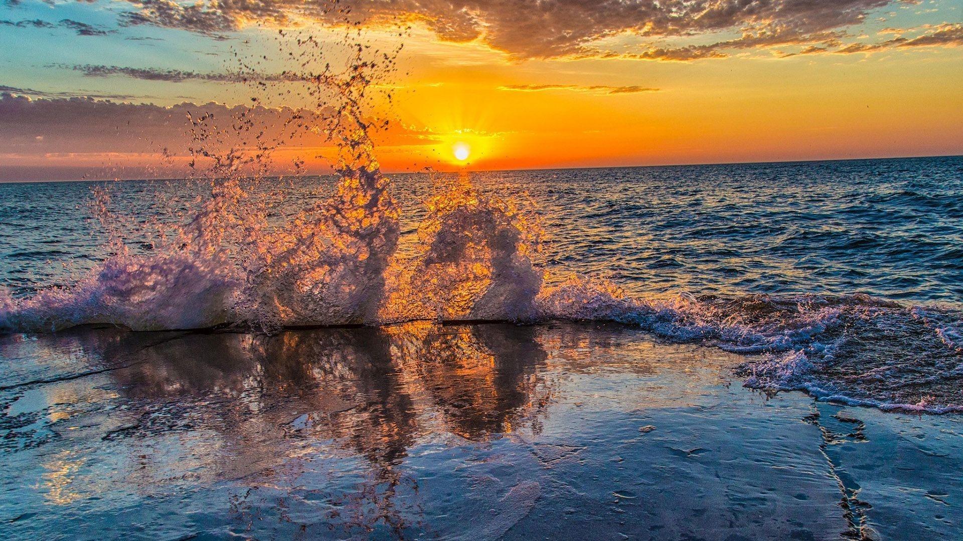 Море закат волна  № 3891495 загрузить