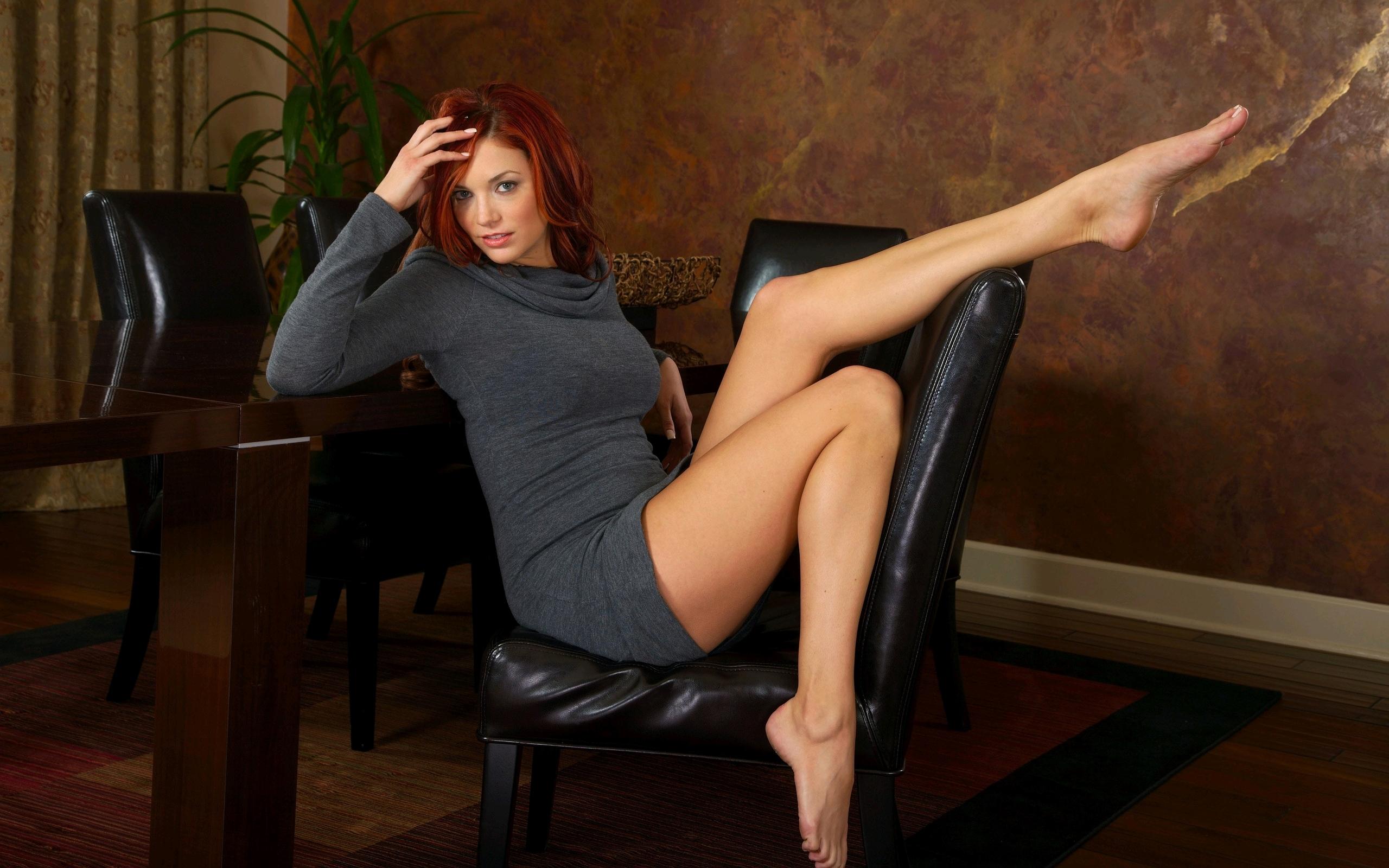 Sexy legs movies lesbian