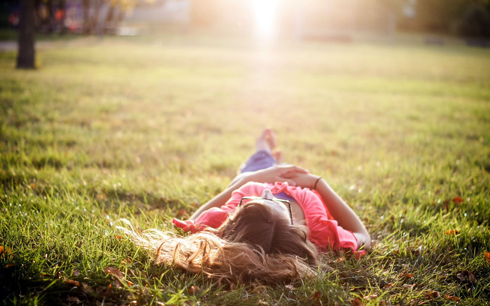 девушка закат лужайка без смс