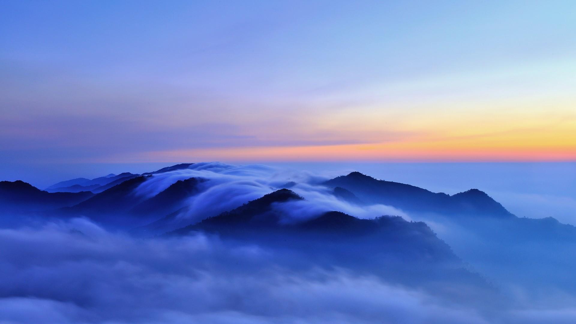 вулкан горы облака туман  № 755027  скачать