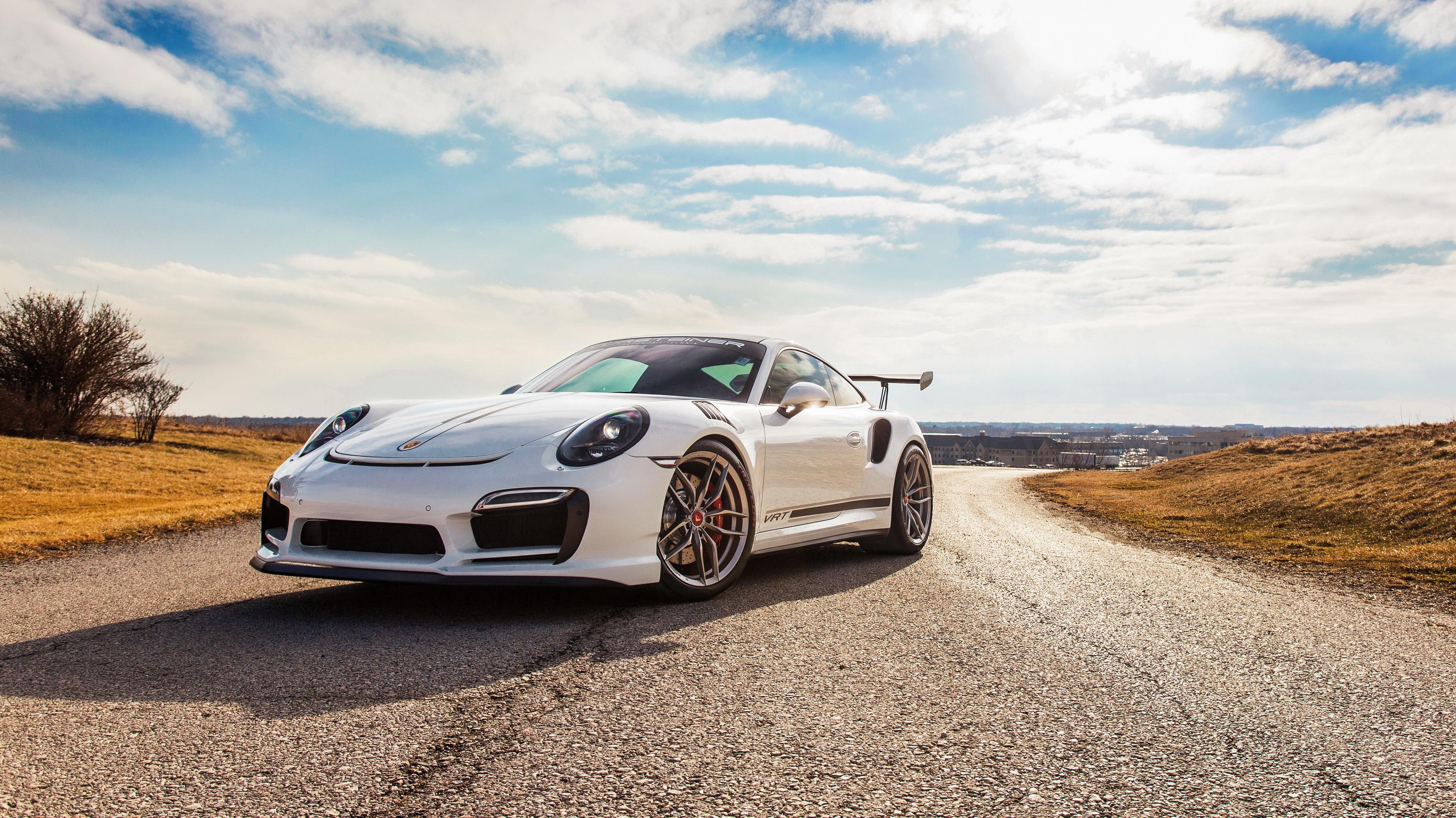 спортивная Porsche анонимно