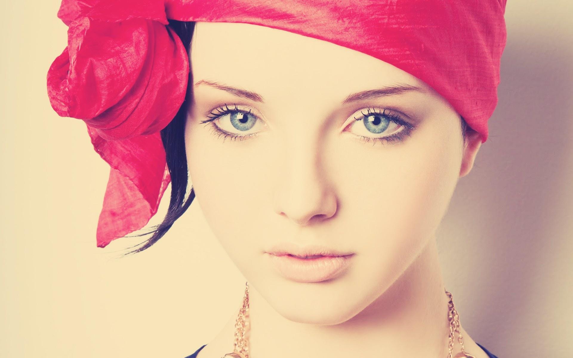 девушка платок без смс