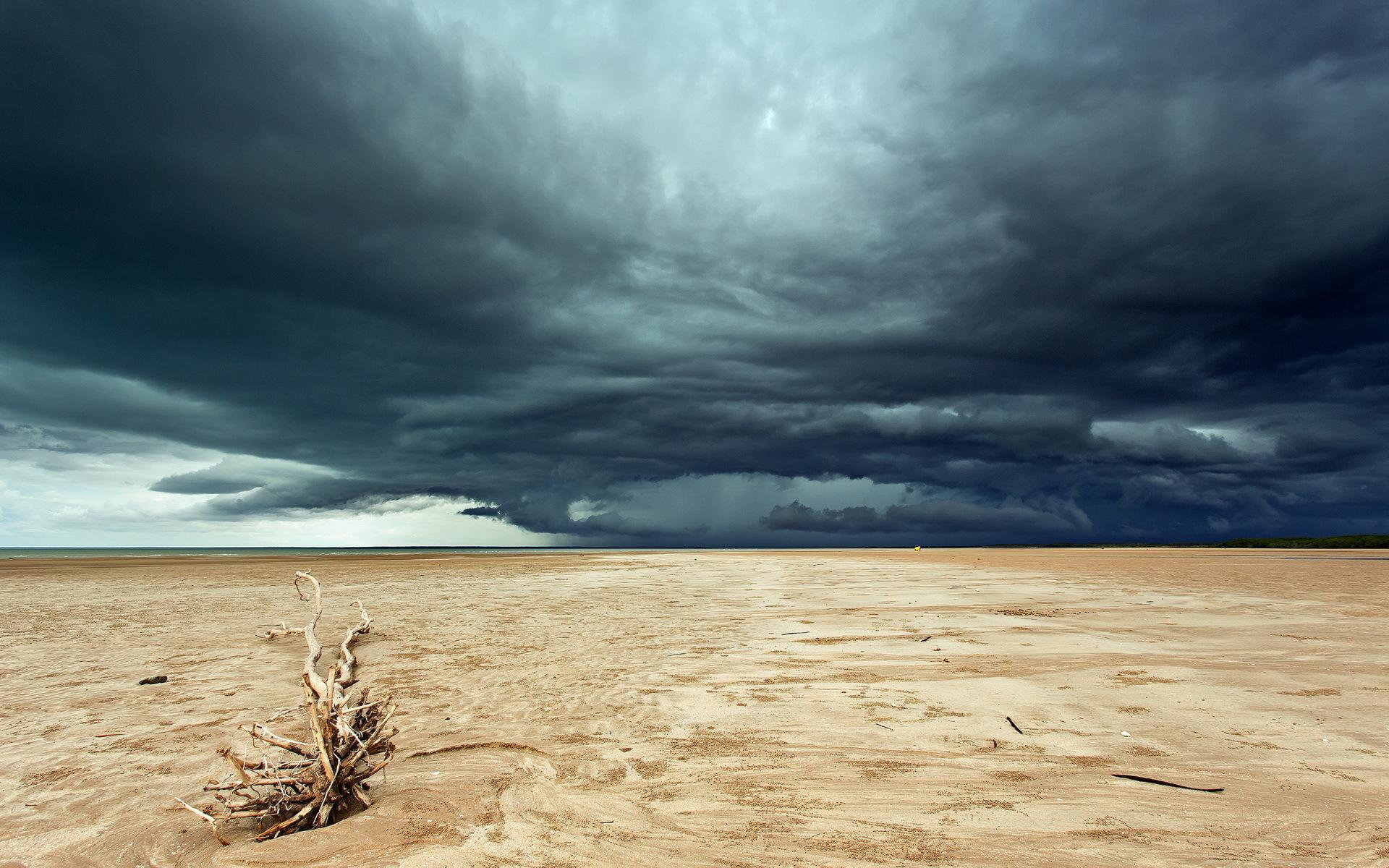 безоблачное небо над пустыней бесплатно