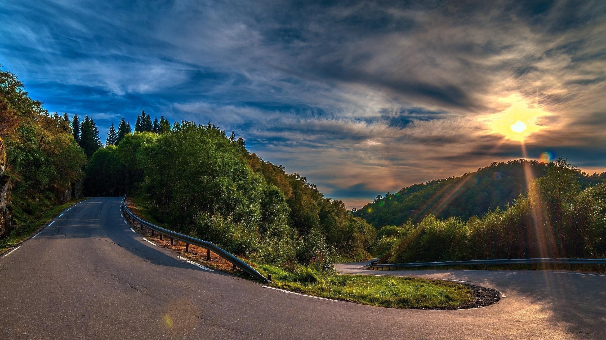 Солнце, рассвет, горы, холмы, дорога скачать
