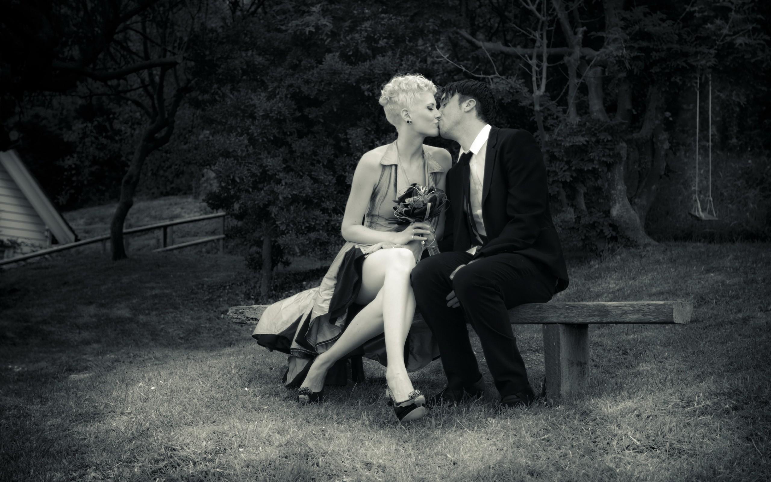 он, она, двое, любовь, поцелуй скачать
