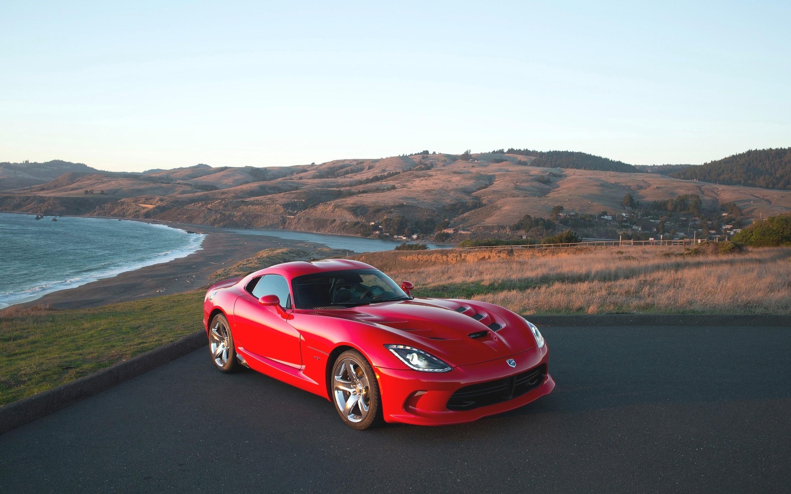 красный спортивный автомобиль Dodge Viper SRT  № 1128486 бесплатно