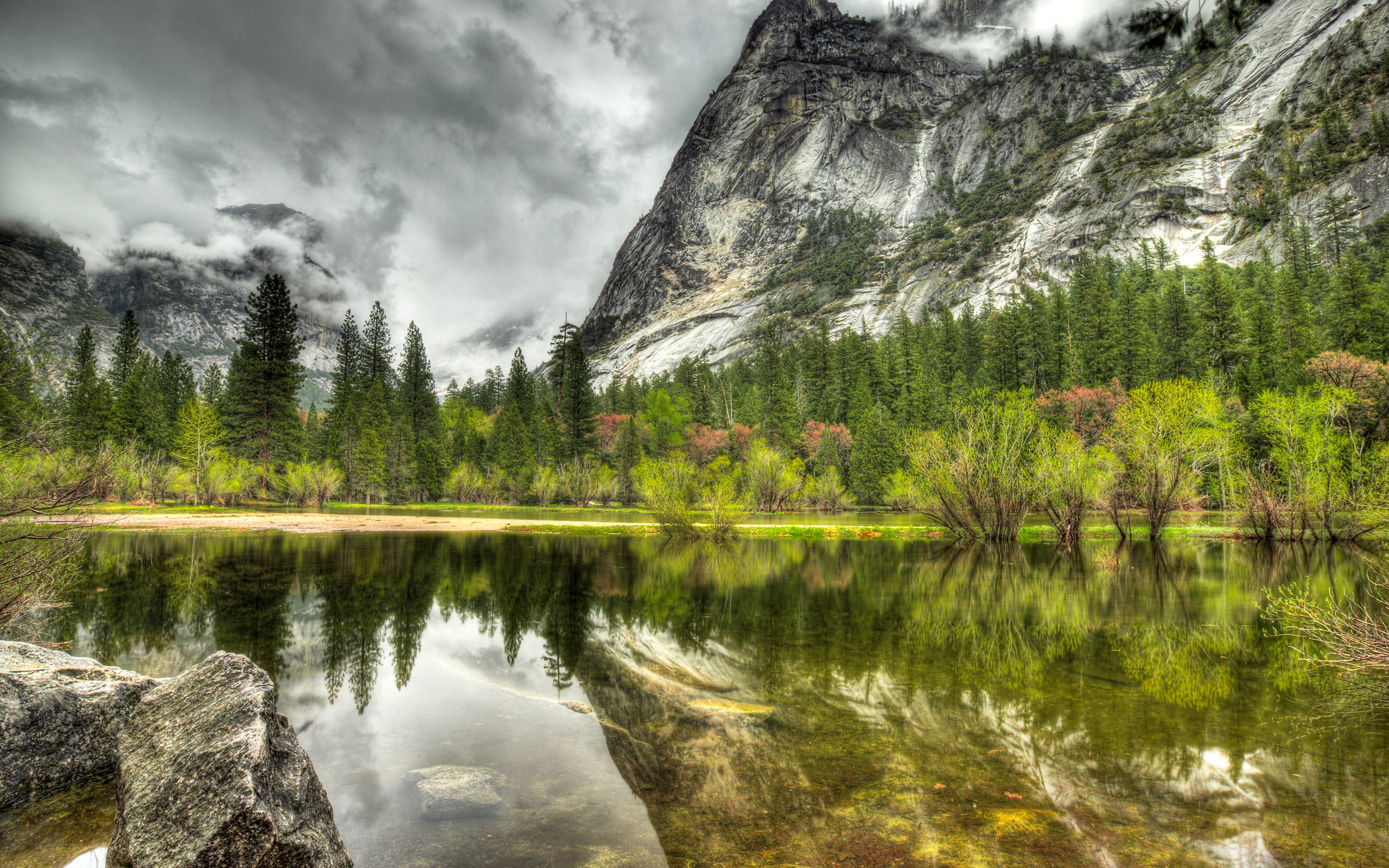 горы озеро деревья небо  № 3234819  скачать