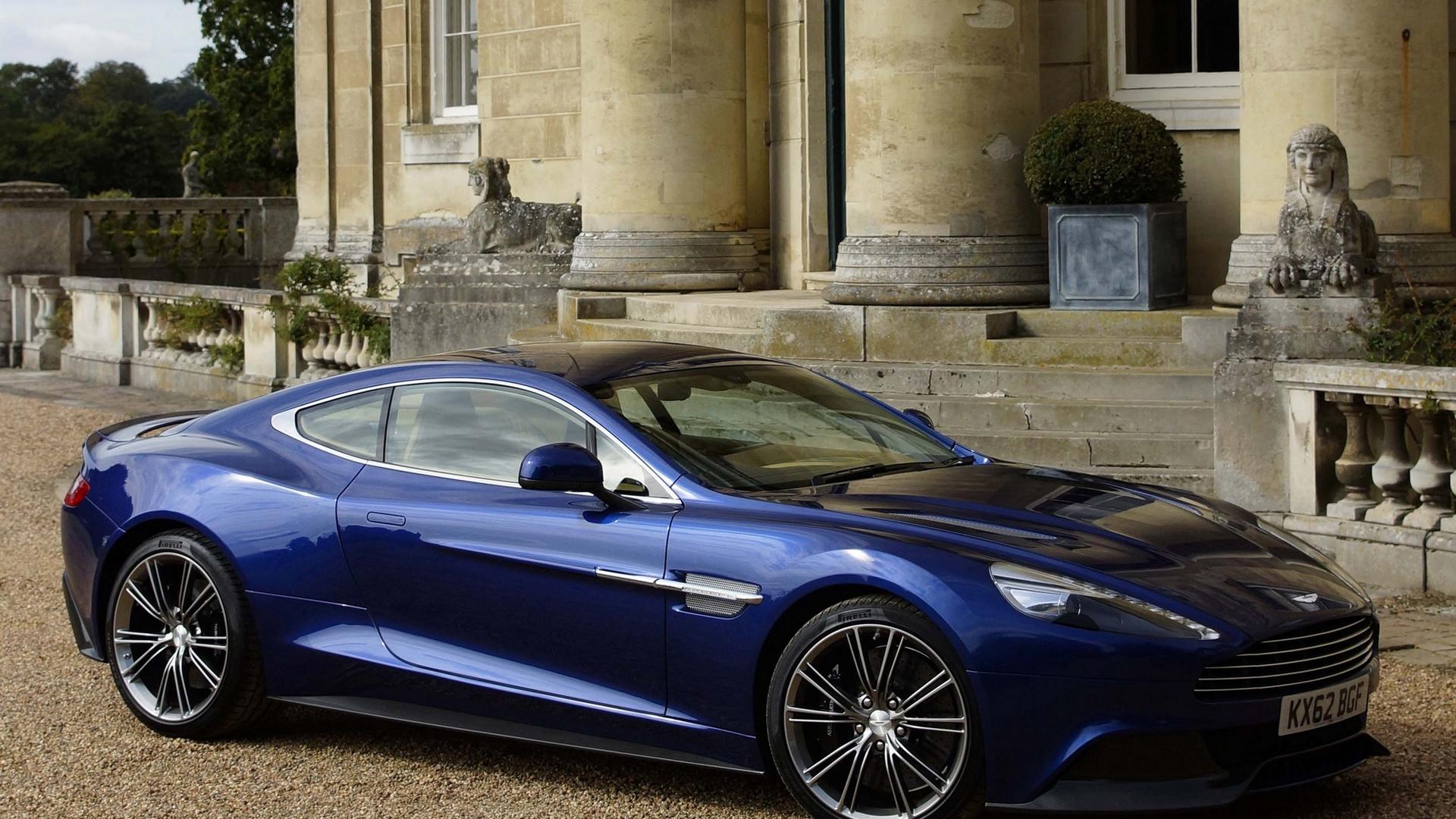 синий автомобиль Aston Martin  № 2593827  скачать