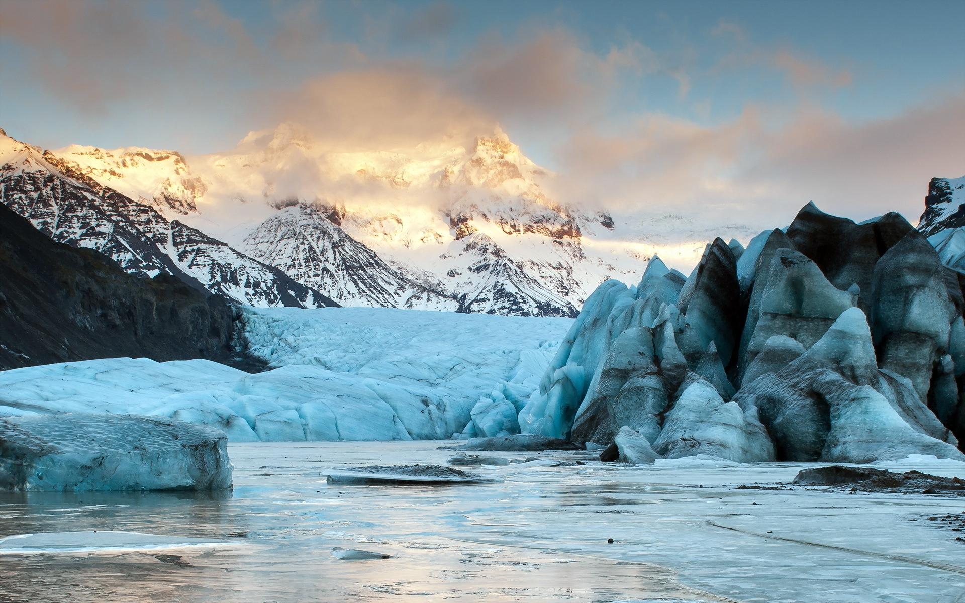 пенная вода в скалистых горах без смс