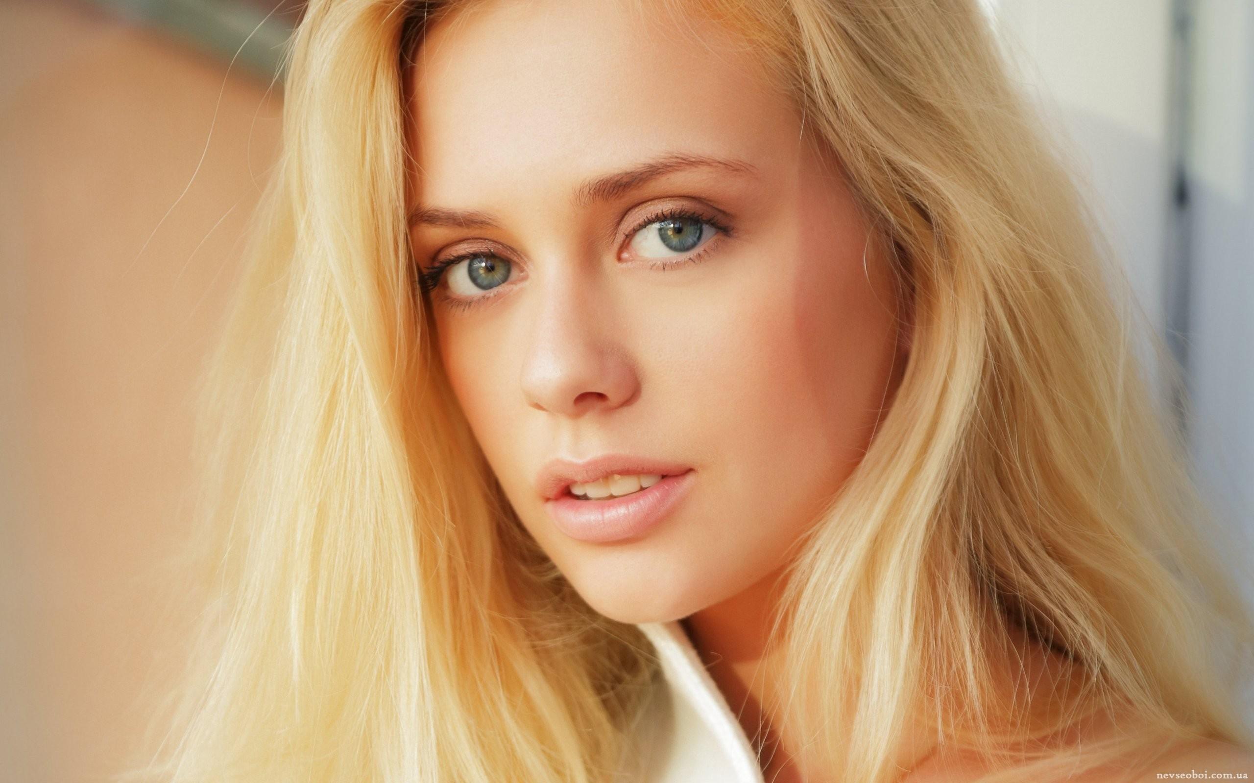 девушка взгляд лицо блондинка скачать