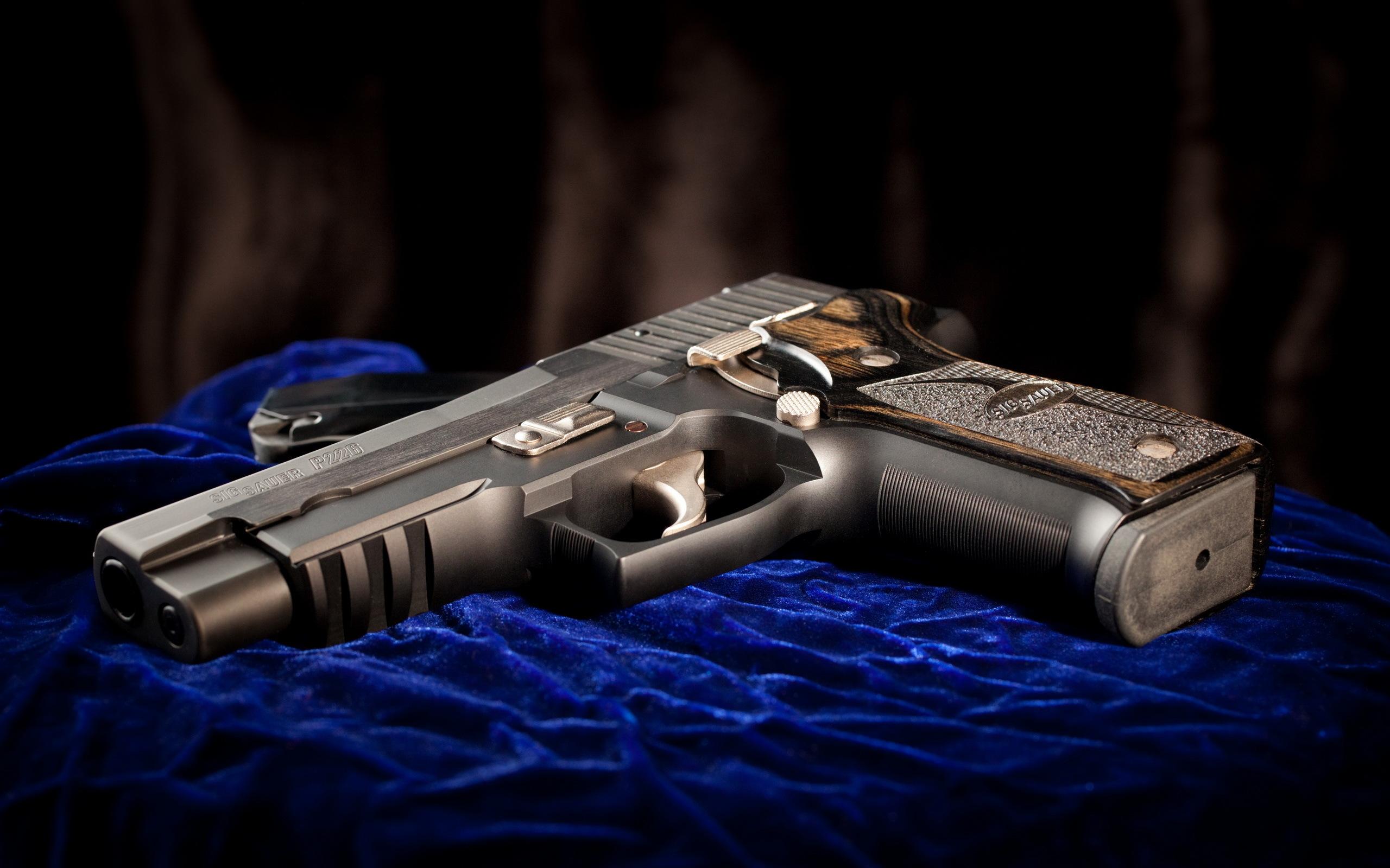 Автомат, нож и пистолет  № 3465090 бесплатно