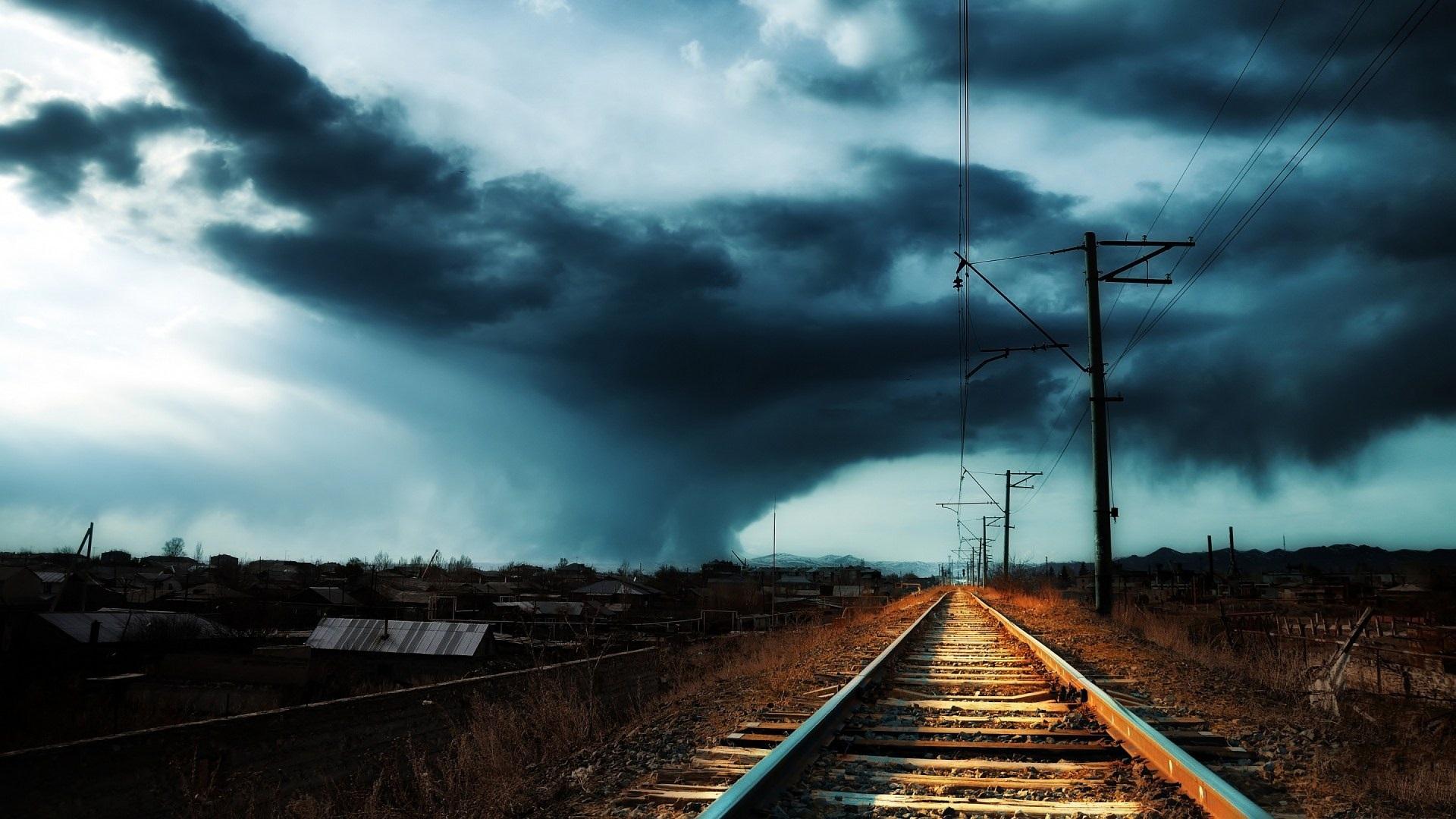 Железная дорога рельсы природа солнце небо облака деревья загрузить