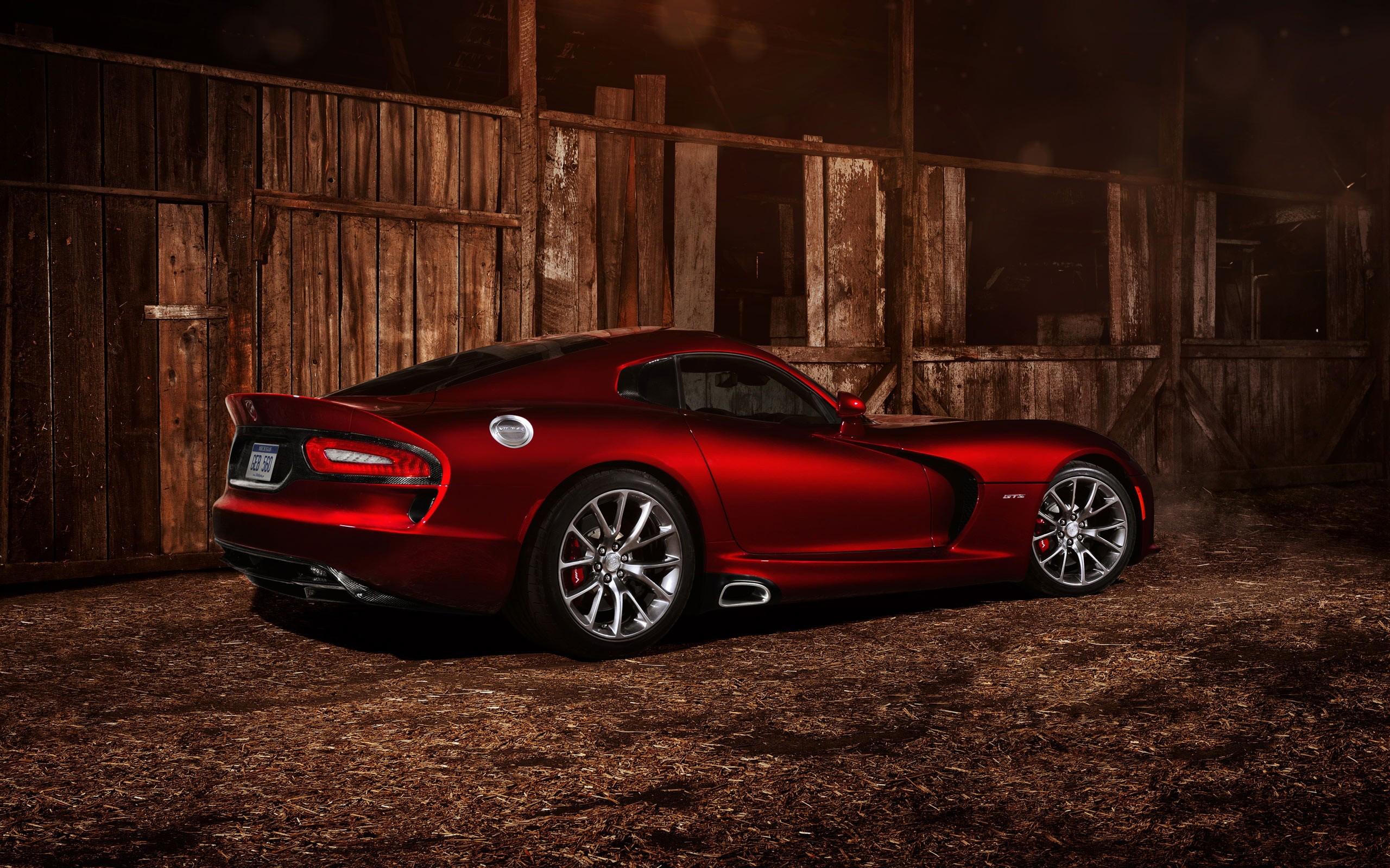 красный спортивный автомобиль Dodge Viper SRT  № 1128458 загрузить
