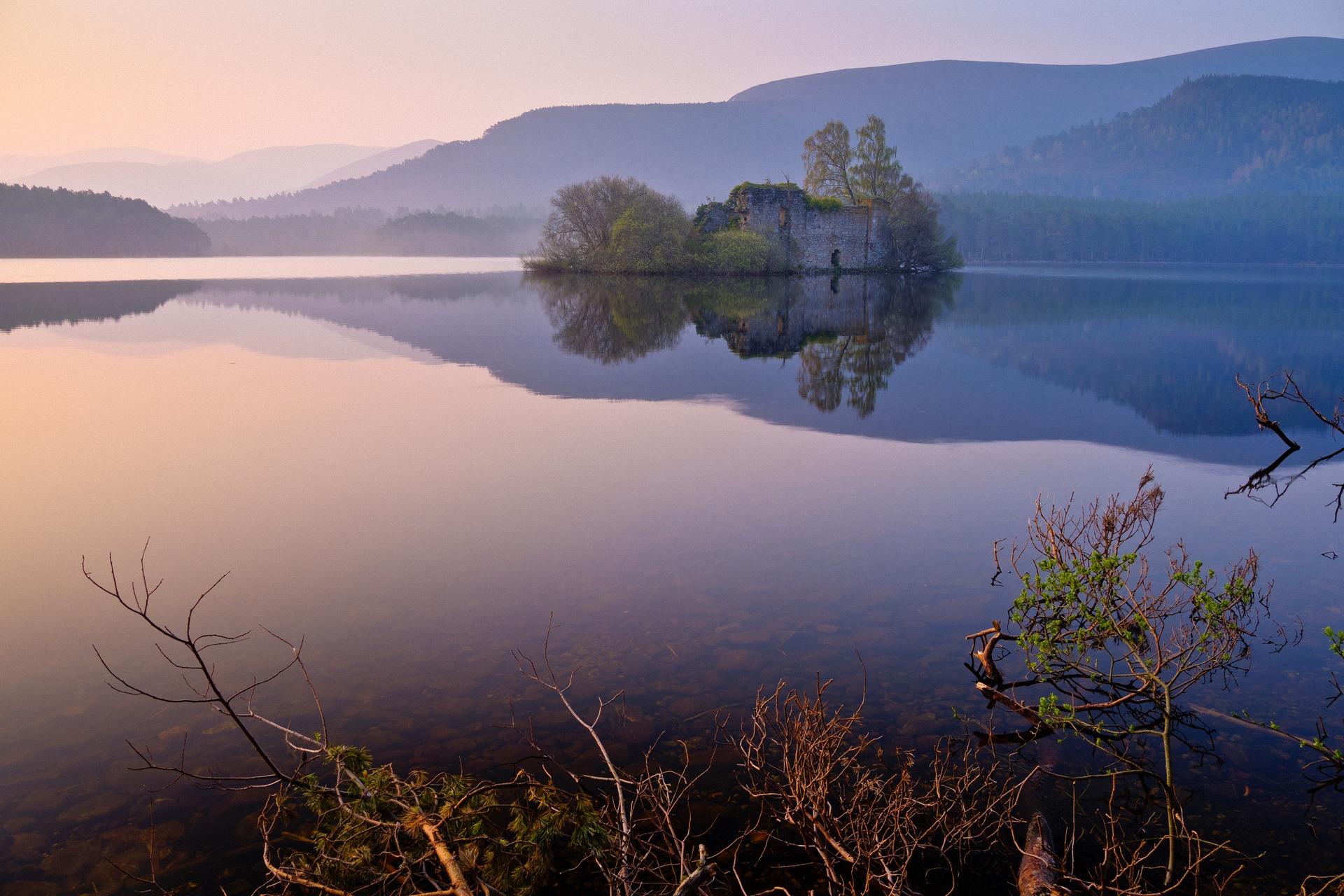 природа озеро отражение горы архитектура скачать
