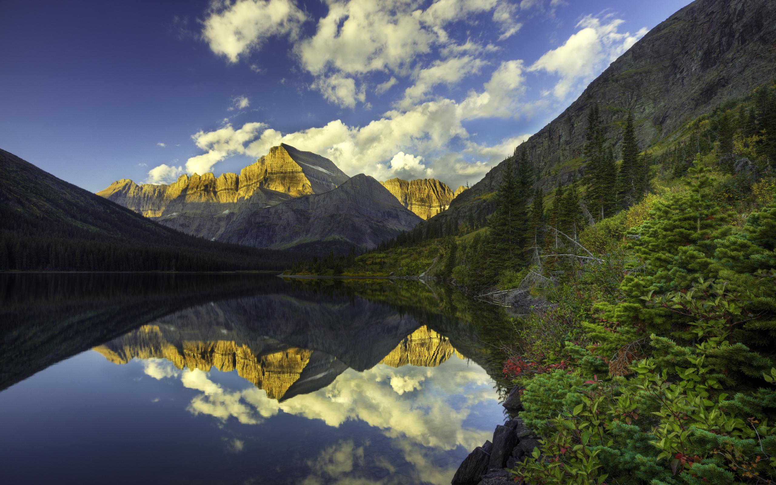 Willow Lake and Mount Wrangell, Wrangell Saint Elias National Park, Alaska загрузить
