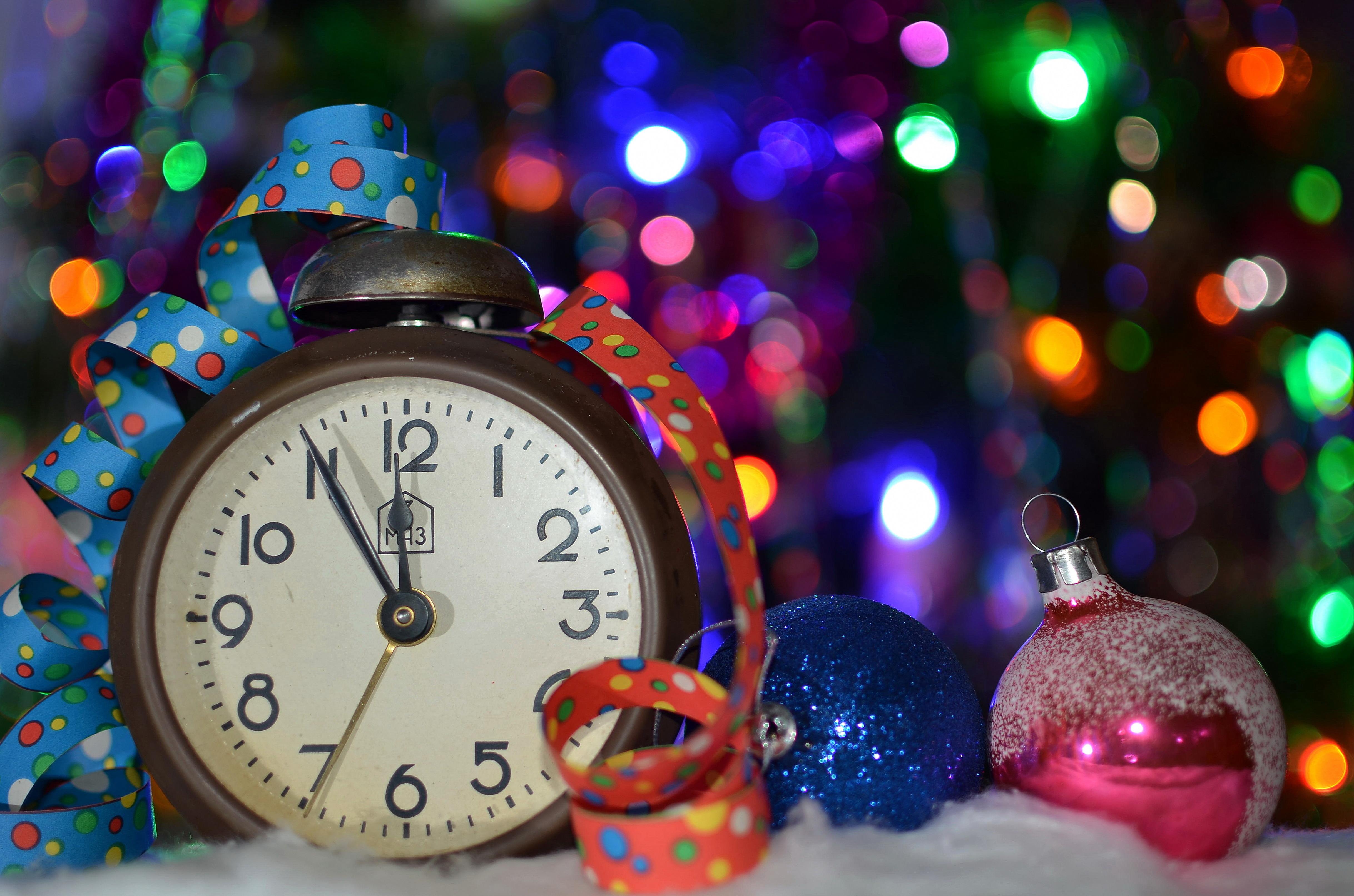 часы игрушки подарки снежинки  № 2647406 бесплатно