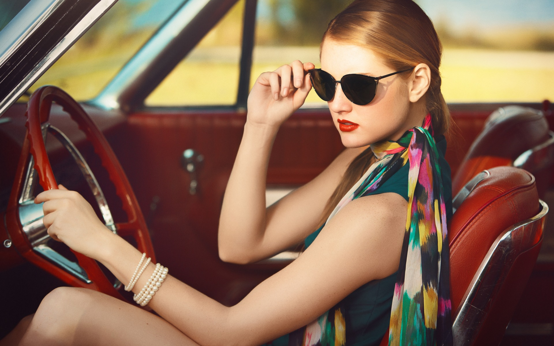 Гламурные картинки девушек на машине