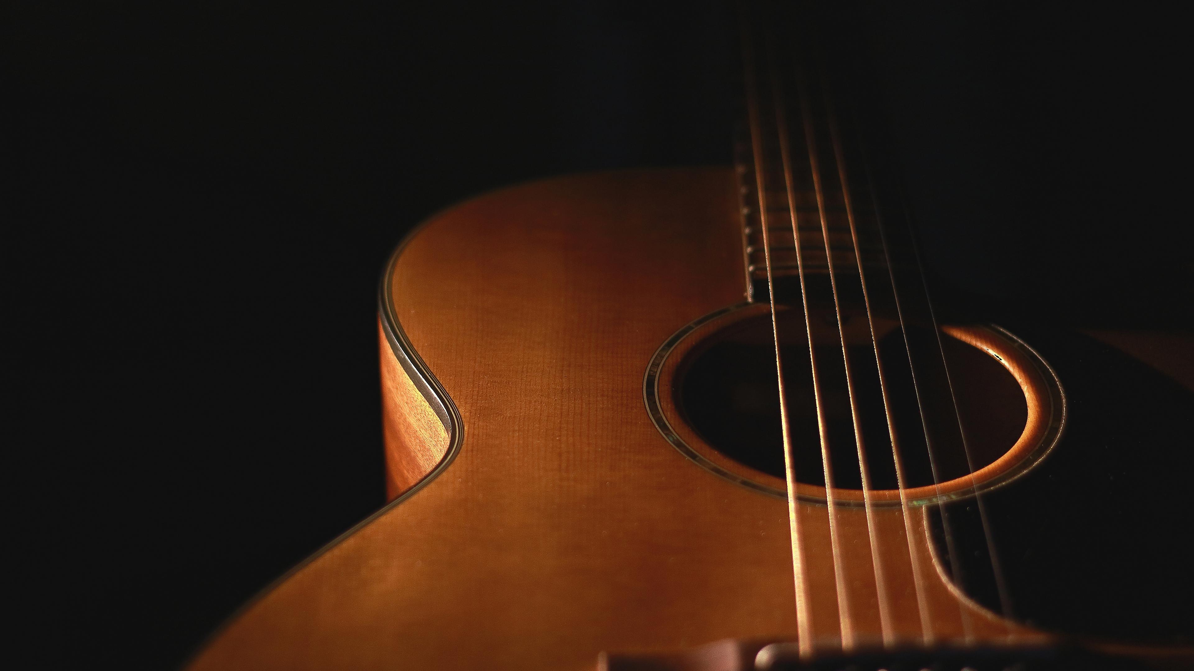 Красно-черная гитара онлайн