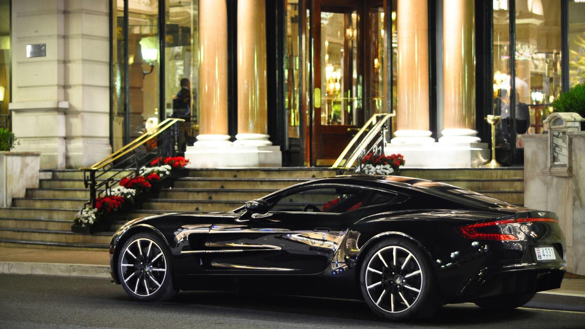 Aston Martin суперкар ночь город  № 2374815 бесплатно
