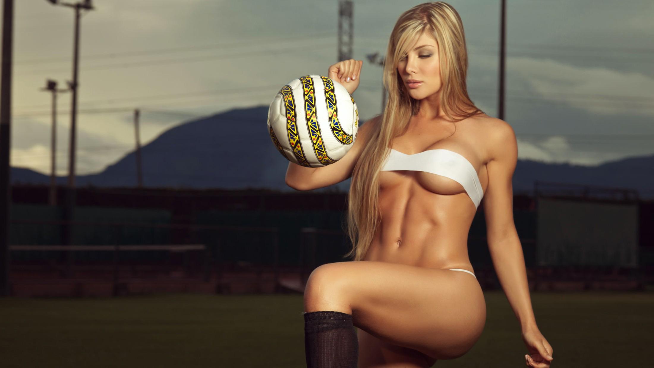 девушки, футбол без смс