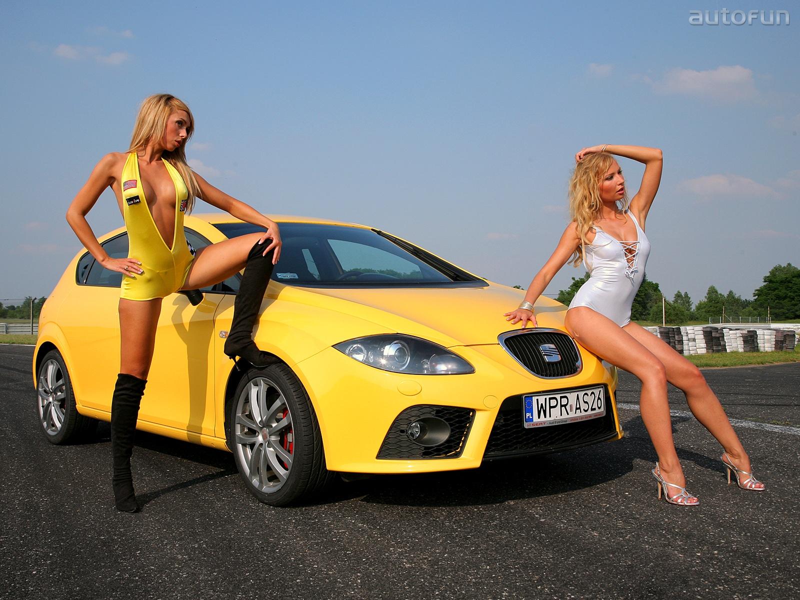 девушка блондинка оранжевый автомобиль volkswagen  № 729033 загрузить
