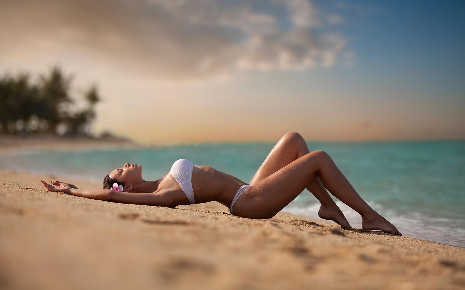 Картинки девушки на пляже