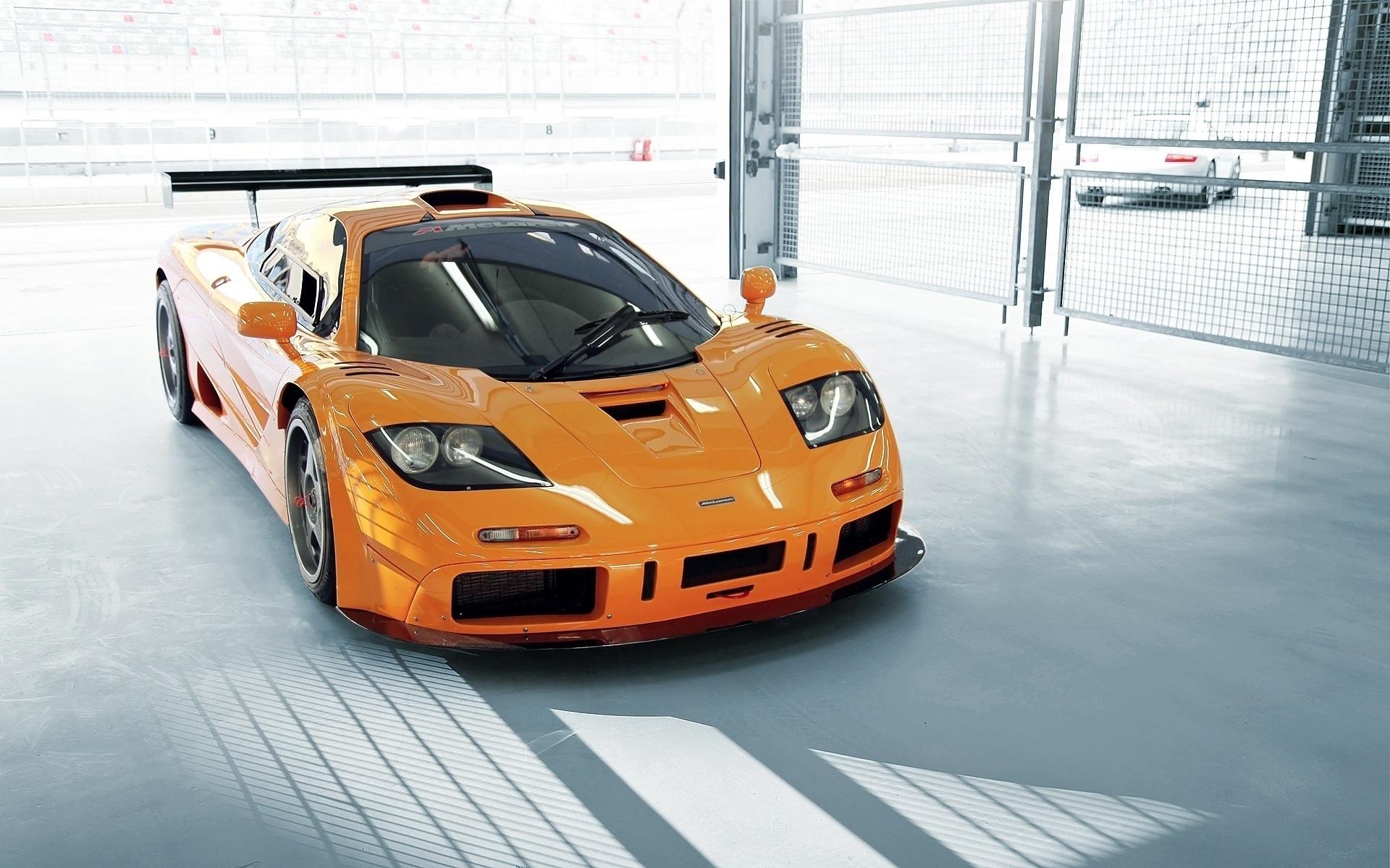 автомобиль оранжевый скачать