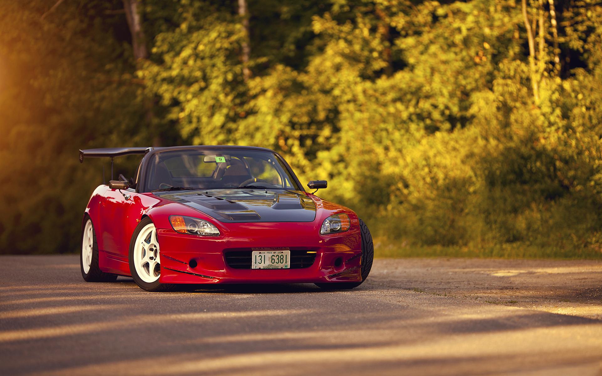 красный автомобиль honda бесплатно