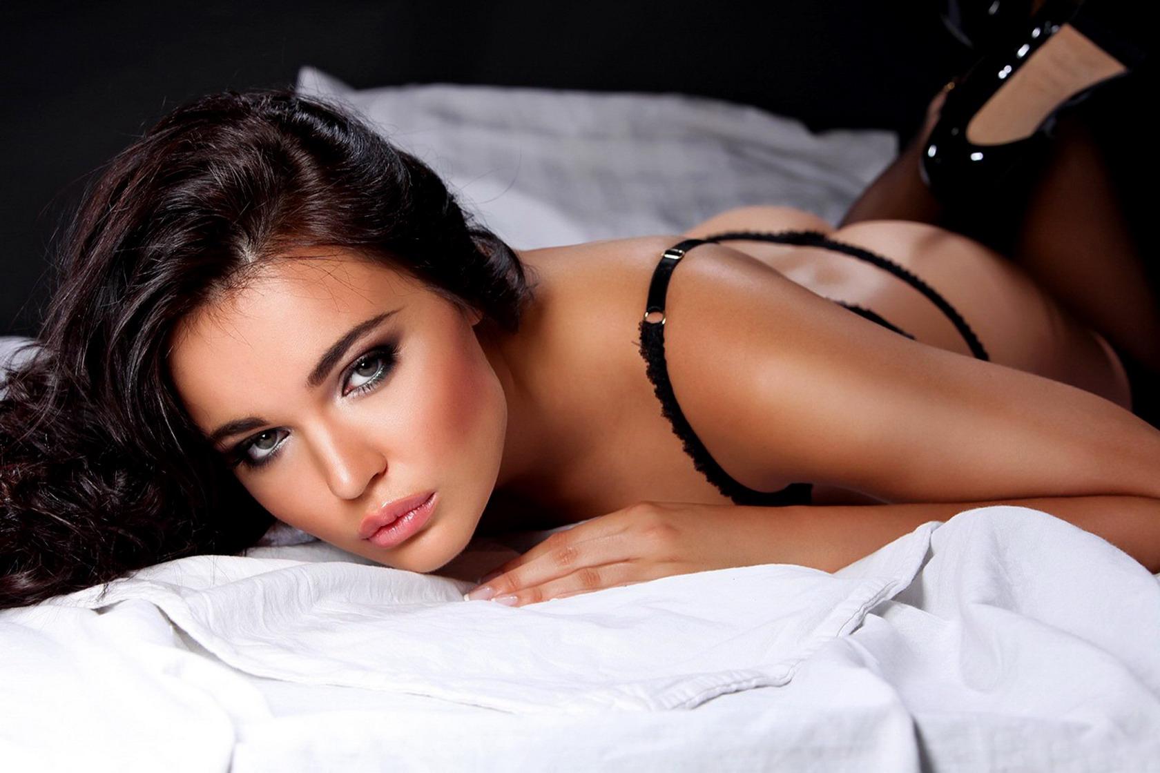 Самая красивая сексуальная девчонки подъезде раком