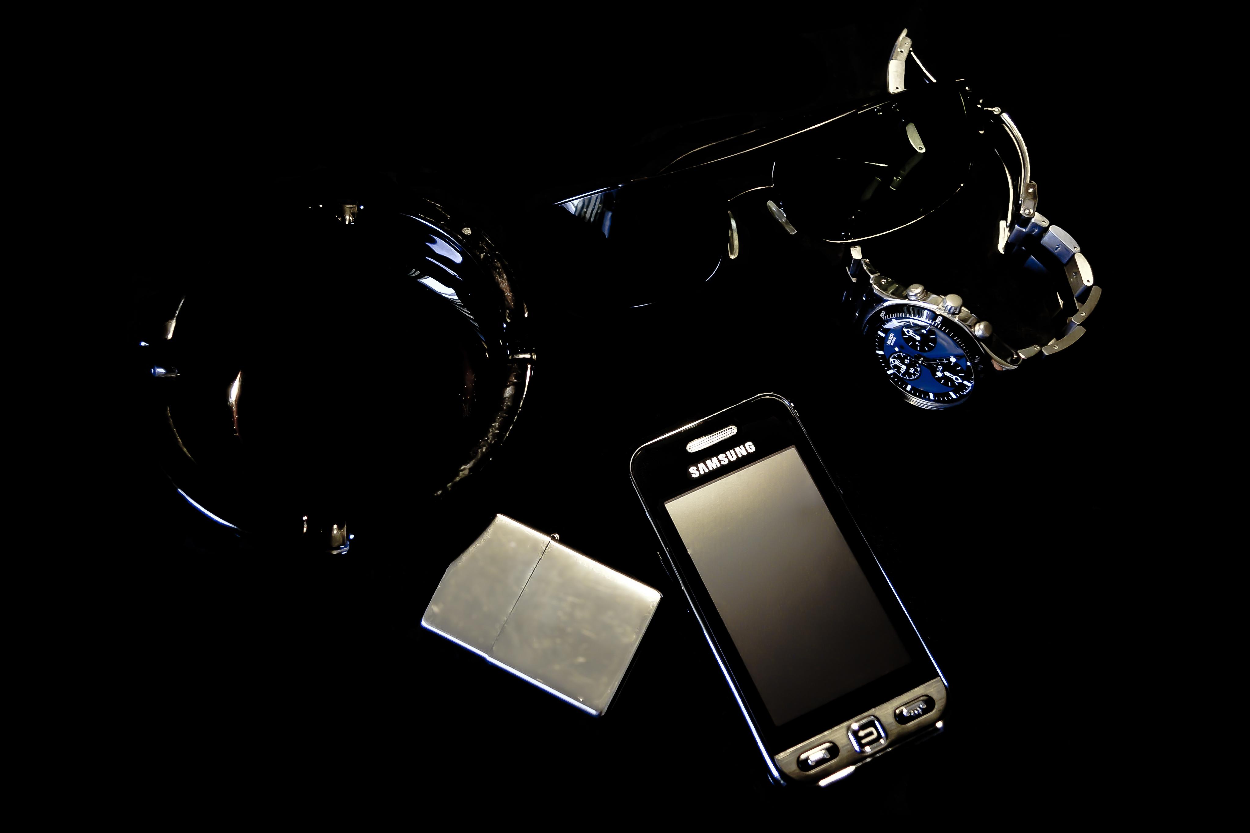 темные мужские картинки на телефон предпринять