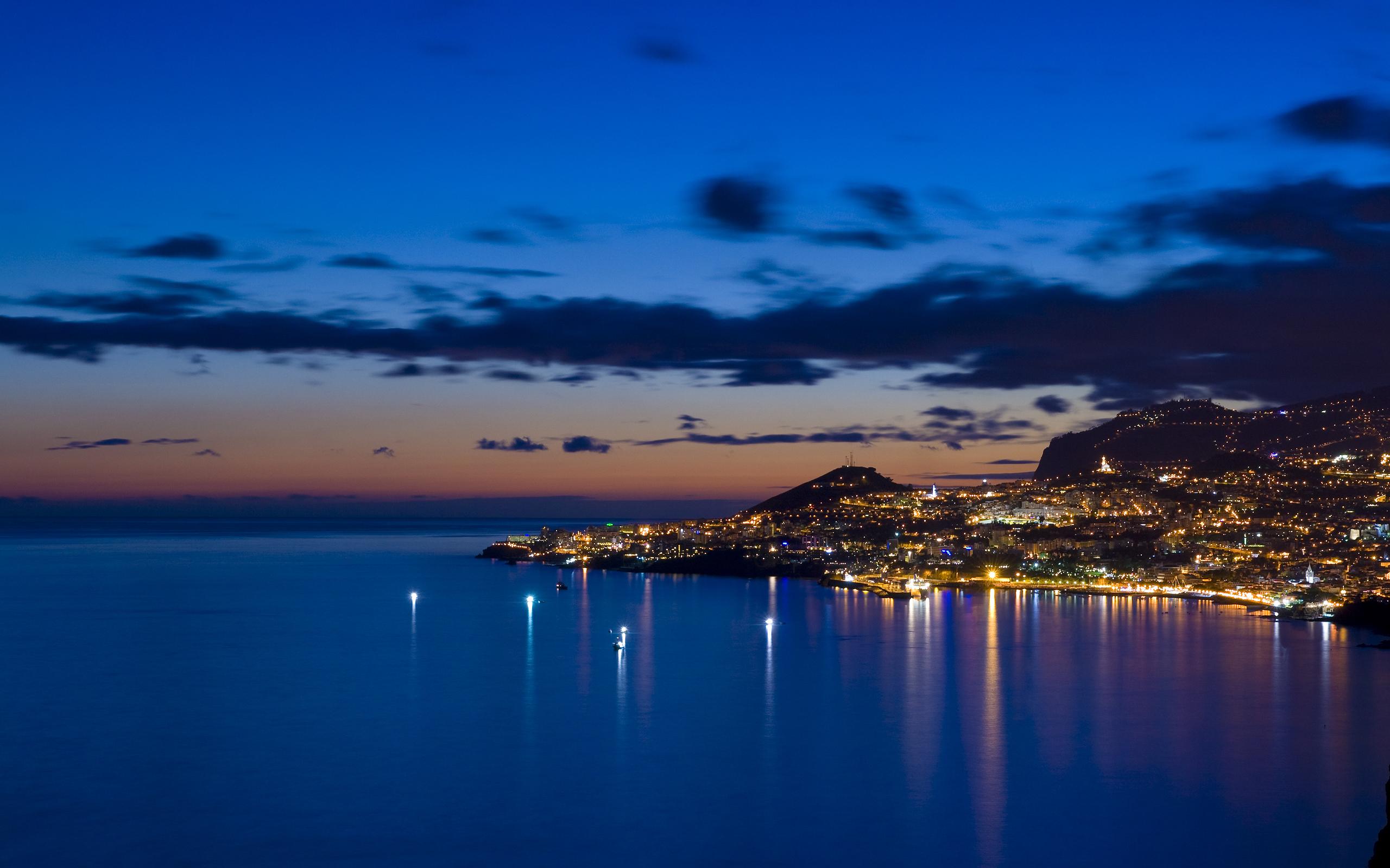 огни ночь город берег гора скачать