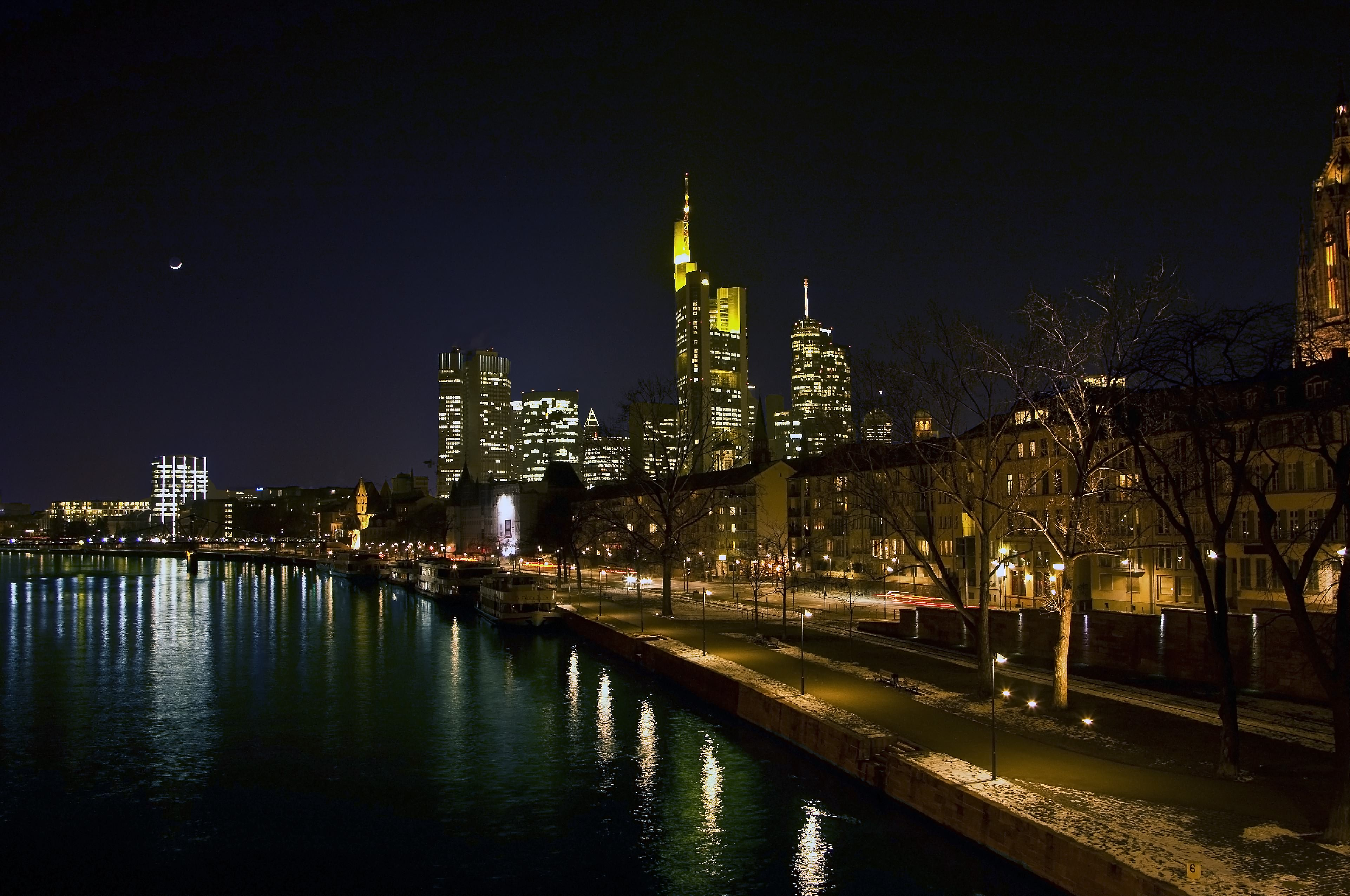 страны архитектура вечер город Франкфурт-на-Майне Германия  № 155545  скачать