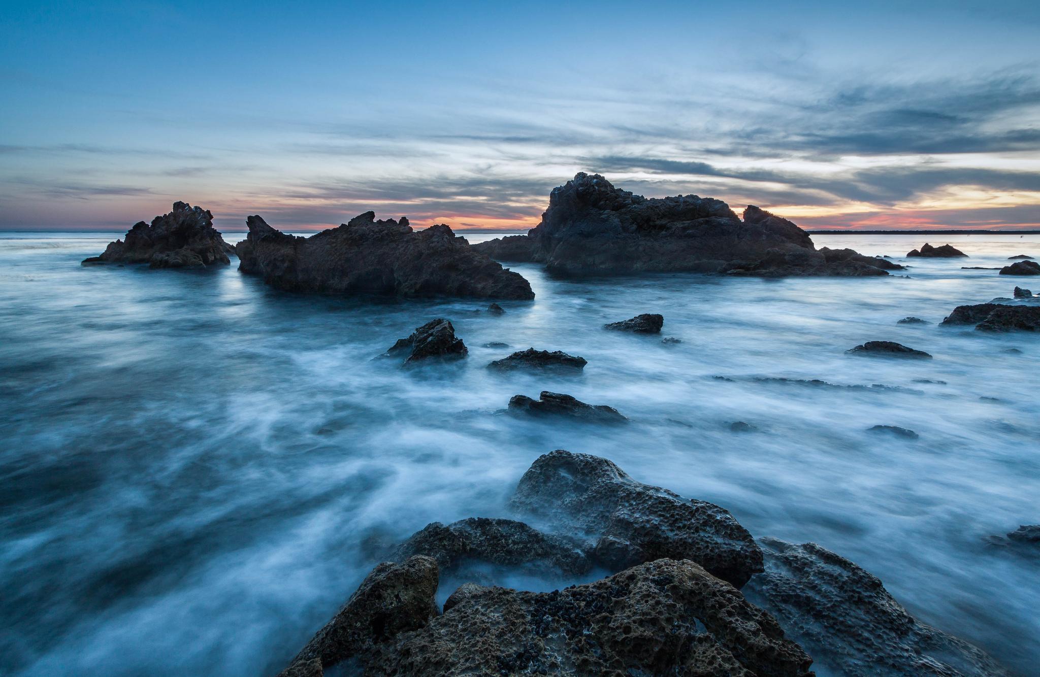 море океан камни скалы закат sea the ocean stones rock sunset  № 2530614  скачать