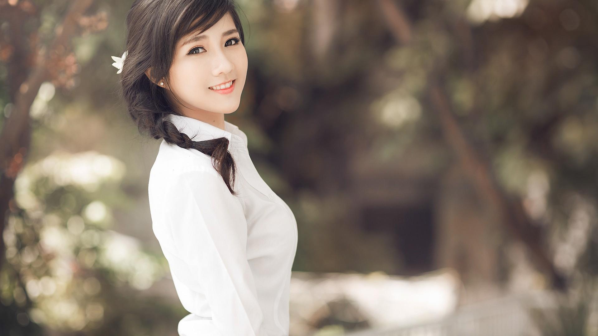 девушка брюнетка японка скачать
