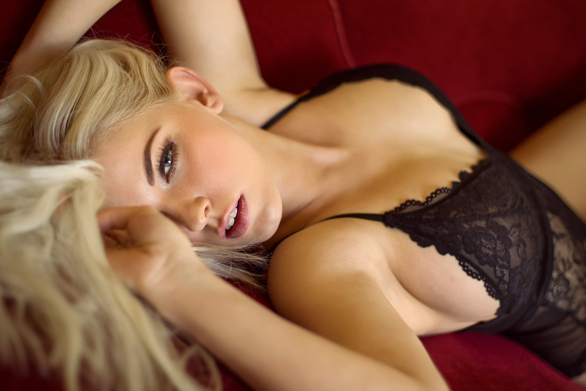 Молодая сексуальная блондинка 42 фото